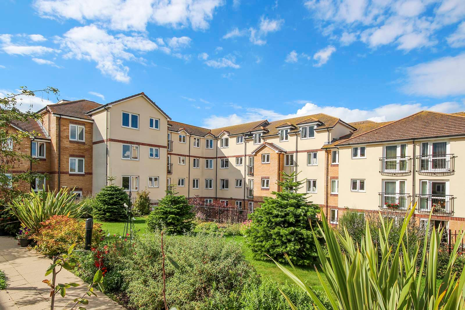 2 bed for sale in East Preston - Communal grounds (Property Image 7)