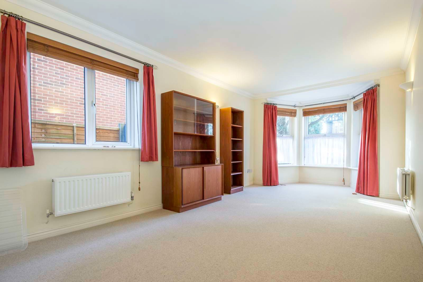 2 bed  to rent in 24 St. Botolphs Road 2