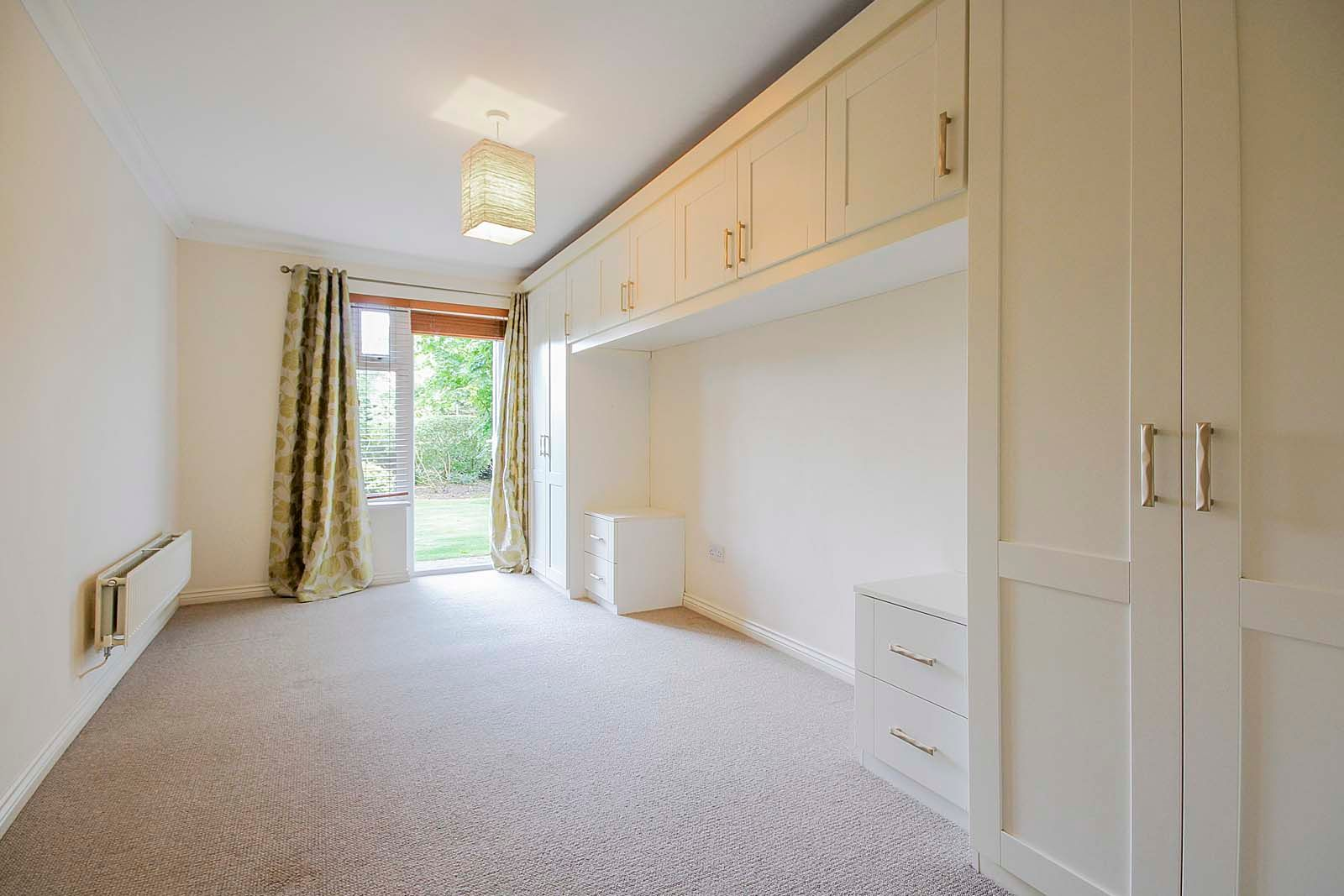 2 bed  to rent in 24 St. Botolphs Road 9