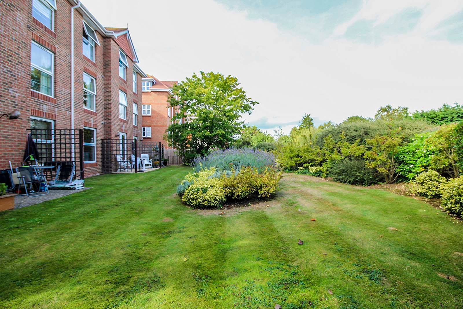 2 bed  to rent in 24 St. Botolphs Road  - Property Image 10