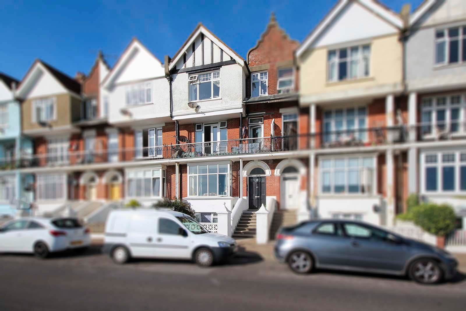 1 bed Apartment to rent in Littlehampton - Front aspect (Property Image 0)