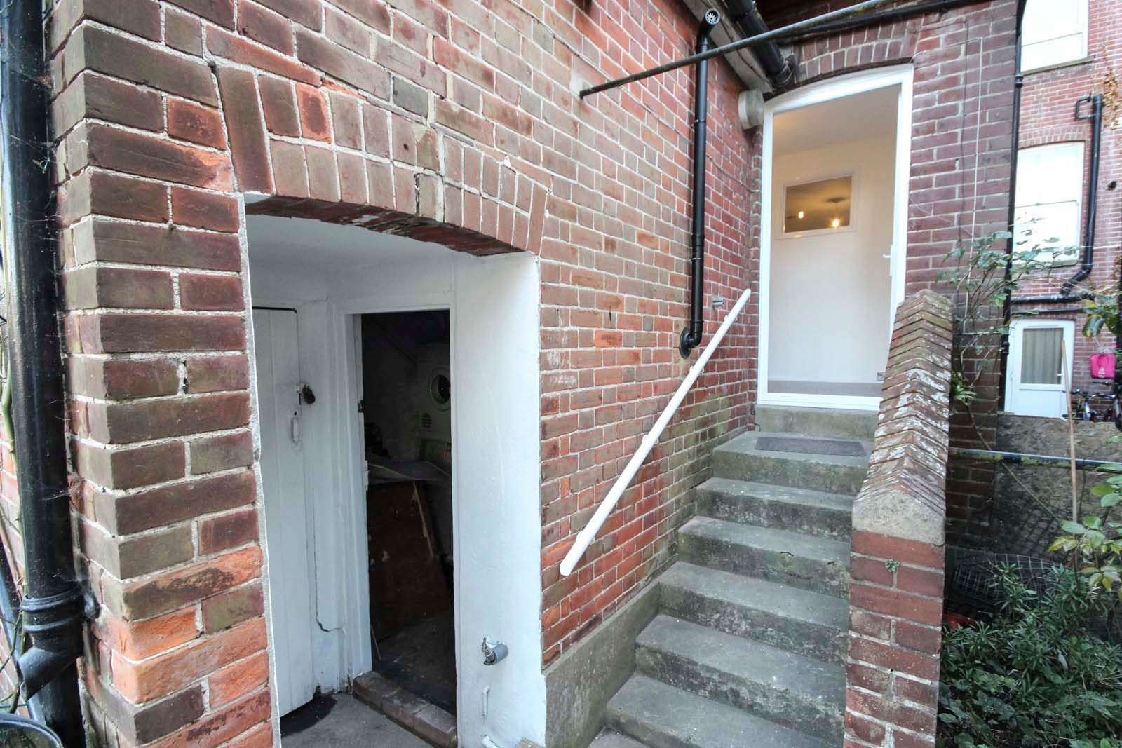 1 bed Apartment to rent in Littlehampton - Steps to rear (Property Image 11)