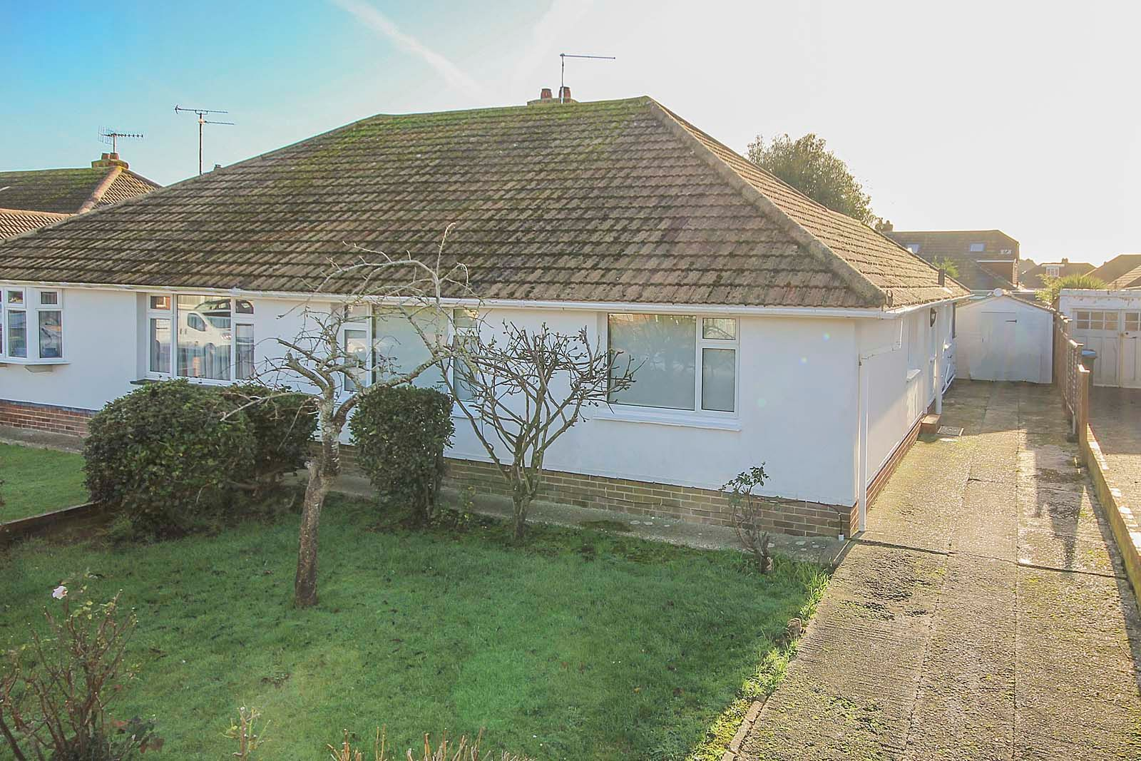 3 bed bungalow for sale in Hillview Crescent COMP MAY 2019 - Property Image 1