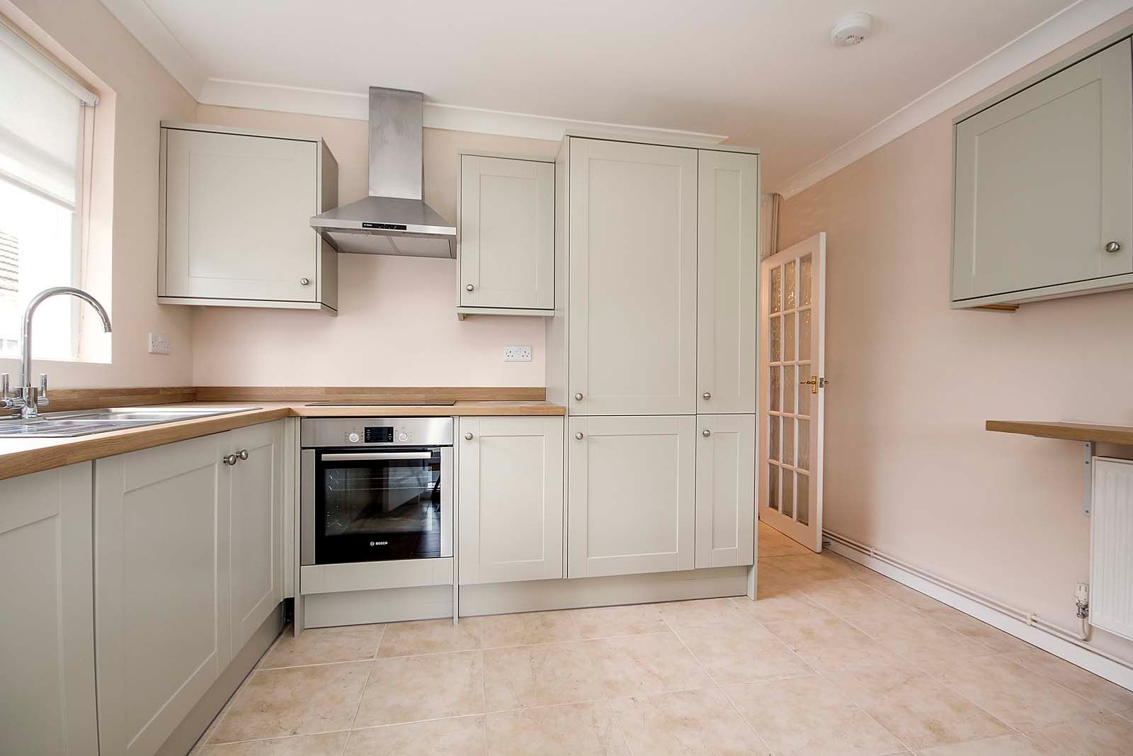 3 bed bungalow for sale in Hillview Crescent COMP MAY 2019  - Property Image 2