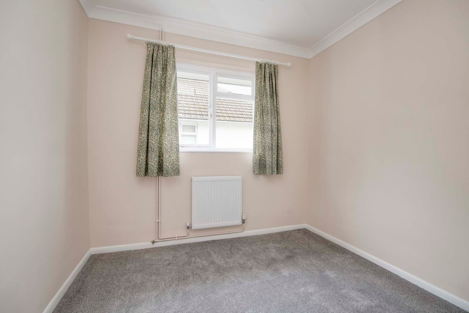 3 bed bungalow for sale in Hillview Crescent COMP MAY 2019  - Property Image 9