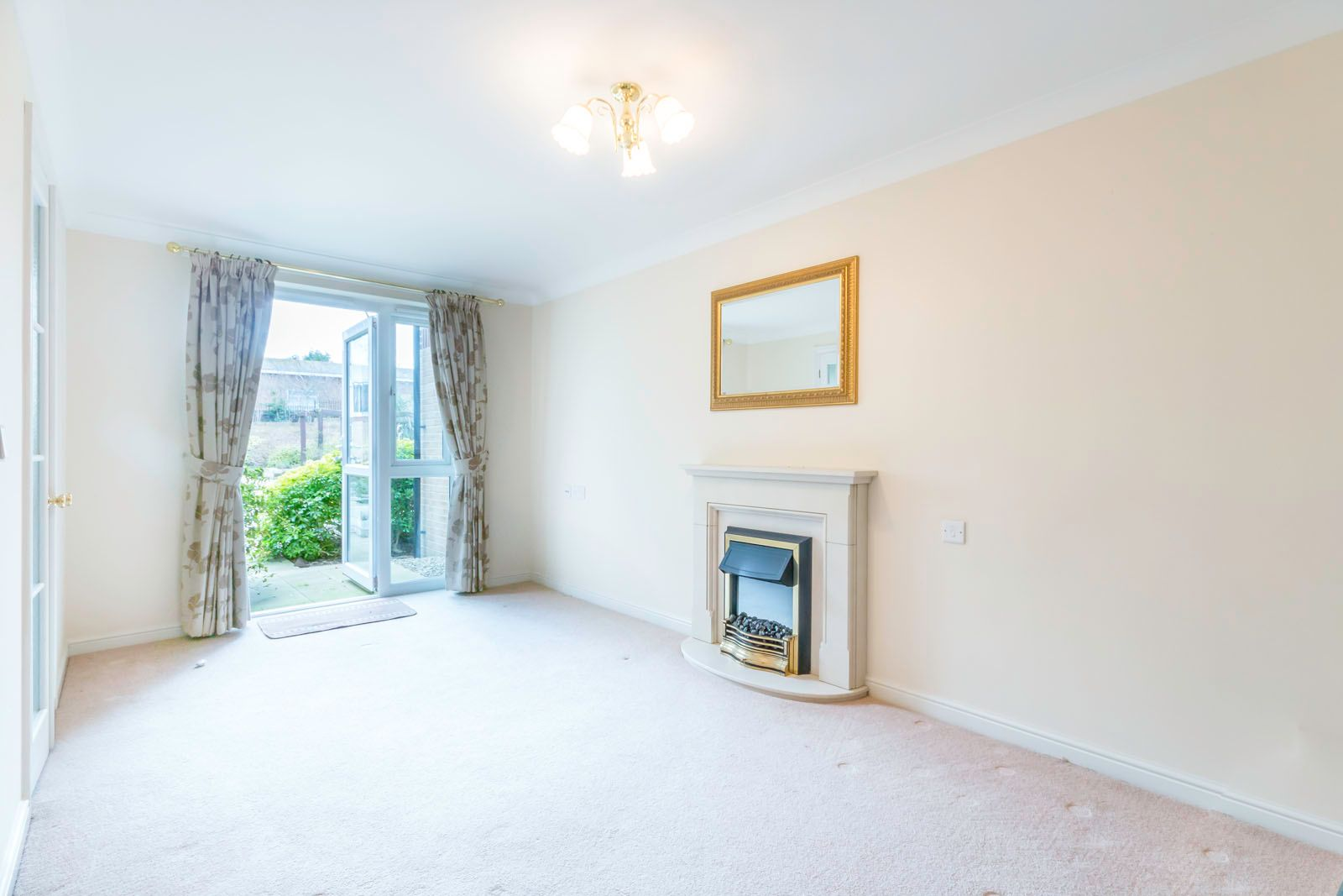 1 bed  for sale in Worthing Road  - Property Image 3