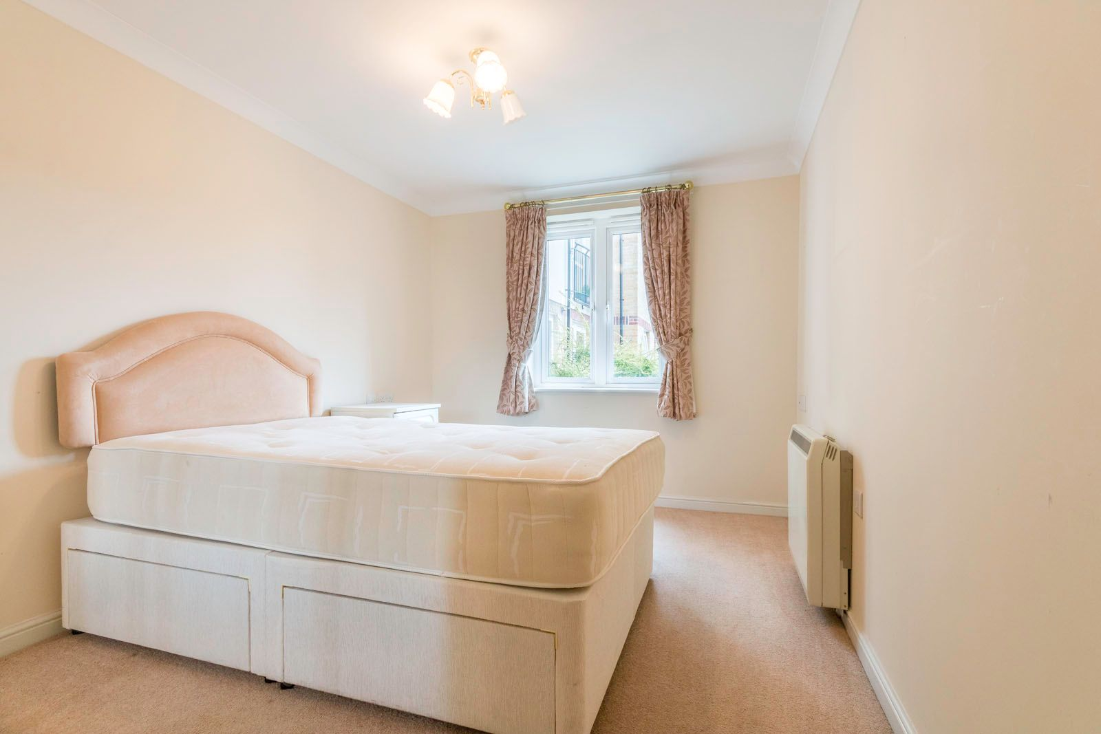 1 bed  for sale in Worthing Road  - Property Image 5