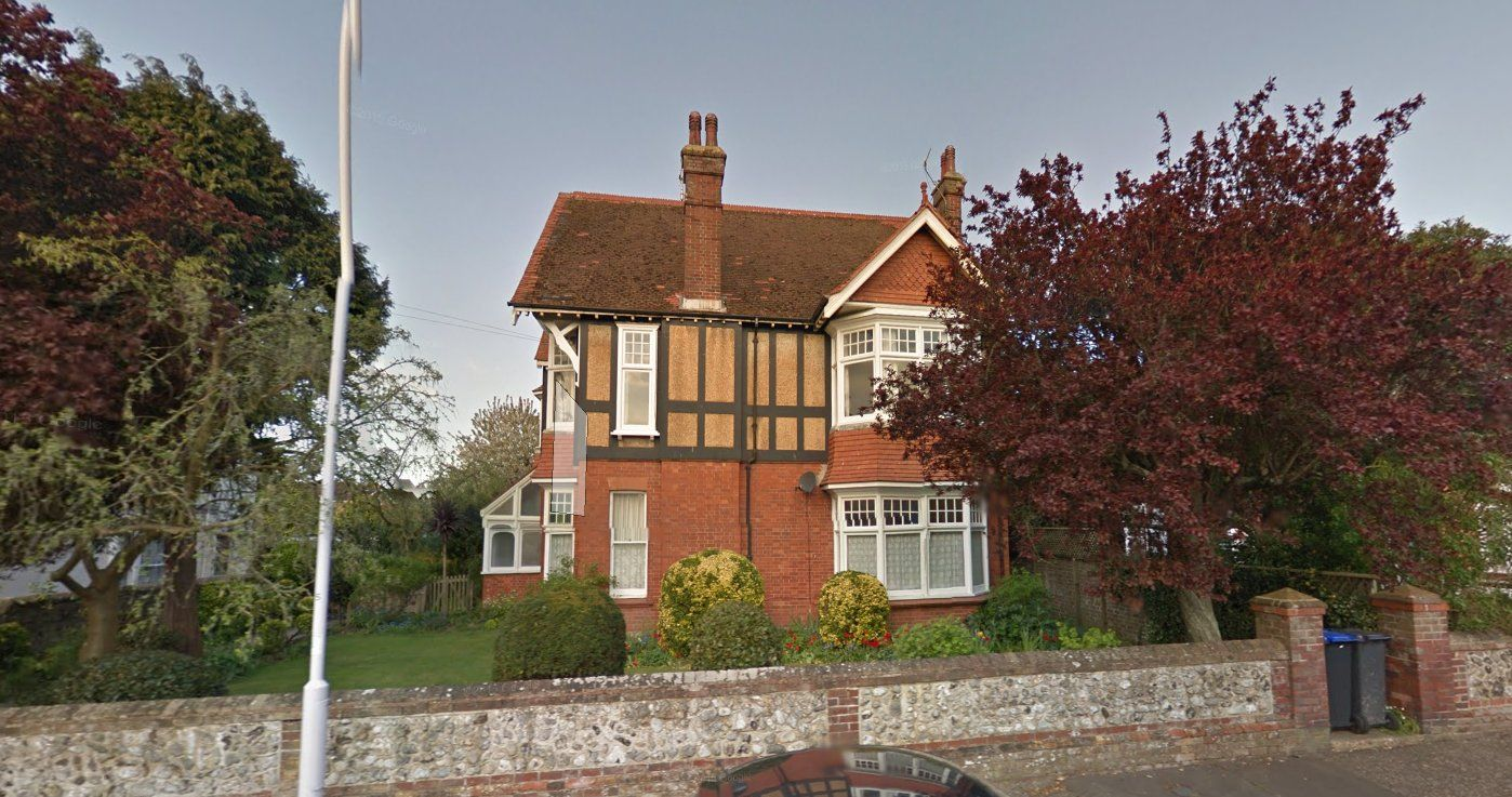 2 bed Apartment to rent in Worthing - Front view (Property Image 11)