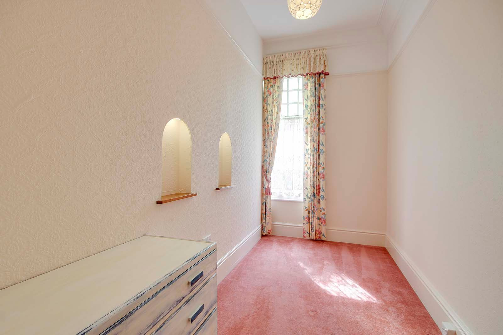 2 bed Apartment to rent in Worthing - Bedroom (Property Image 7)
