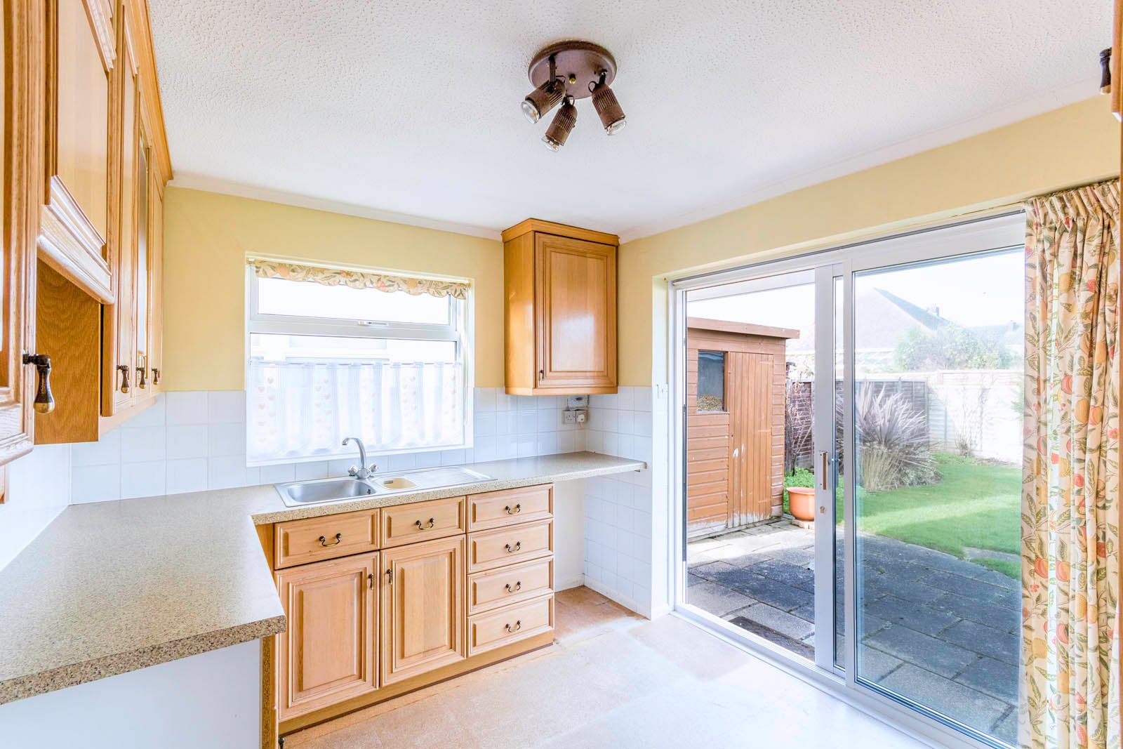 2 bed bungalow for sale in Saxon Close COMP June 2018  - Property Image 4
