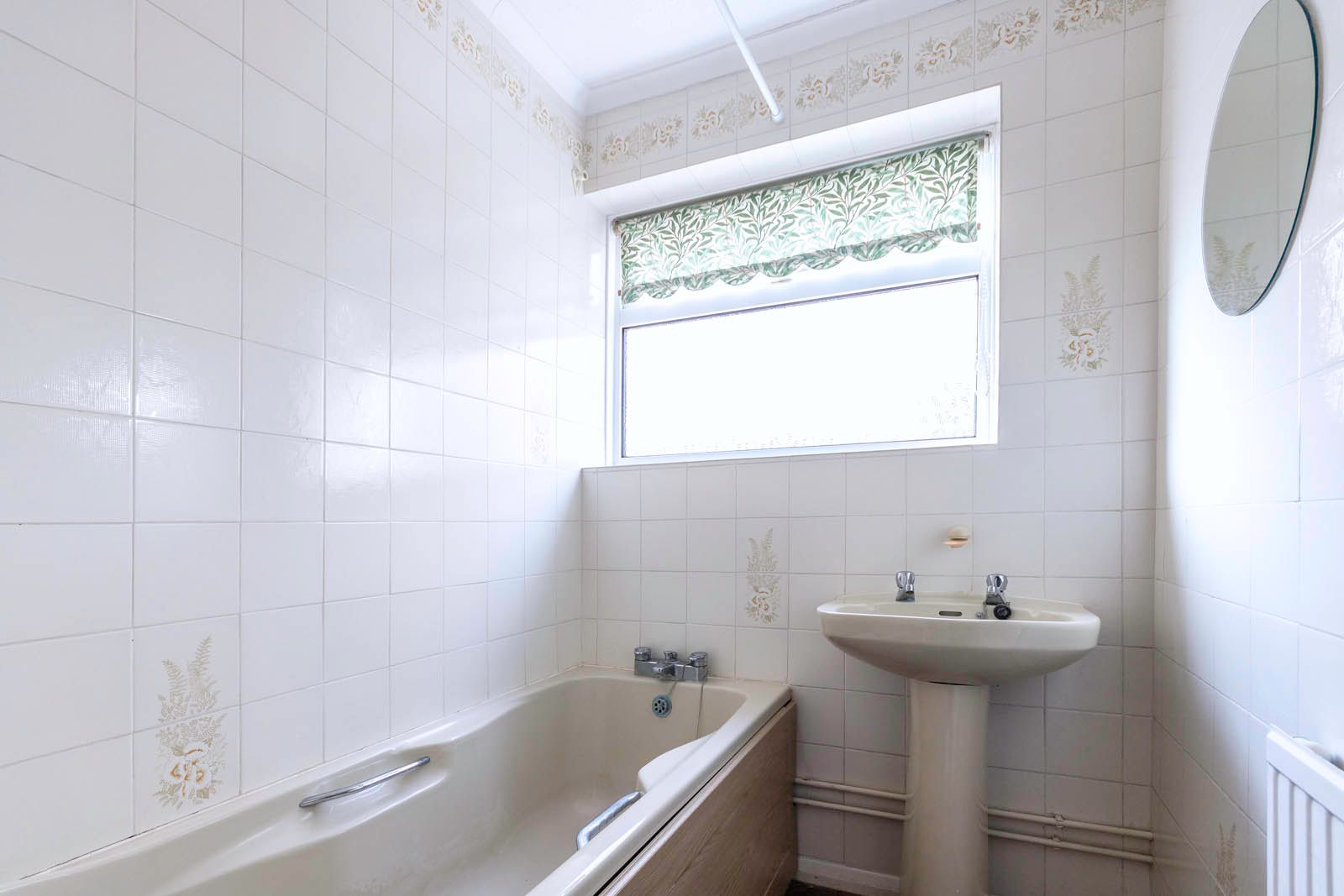 2 bed bungalow for sale in Saxon Close COMP June 2018 7