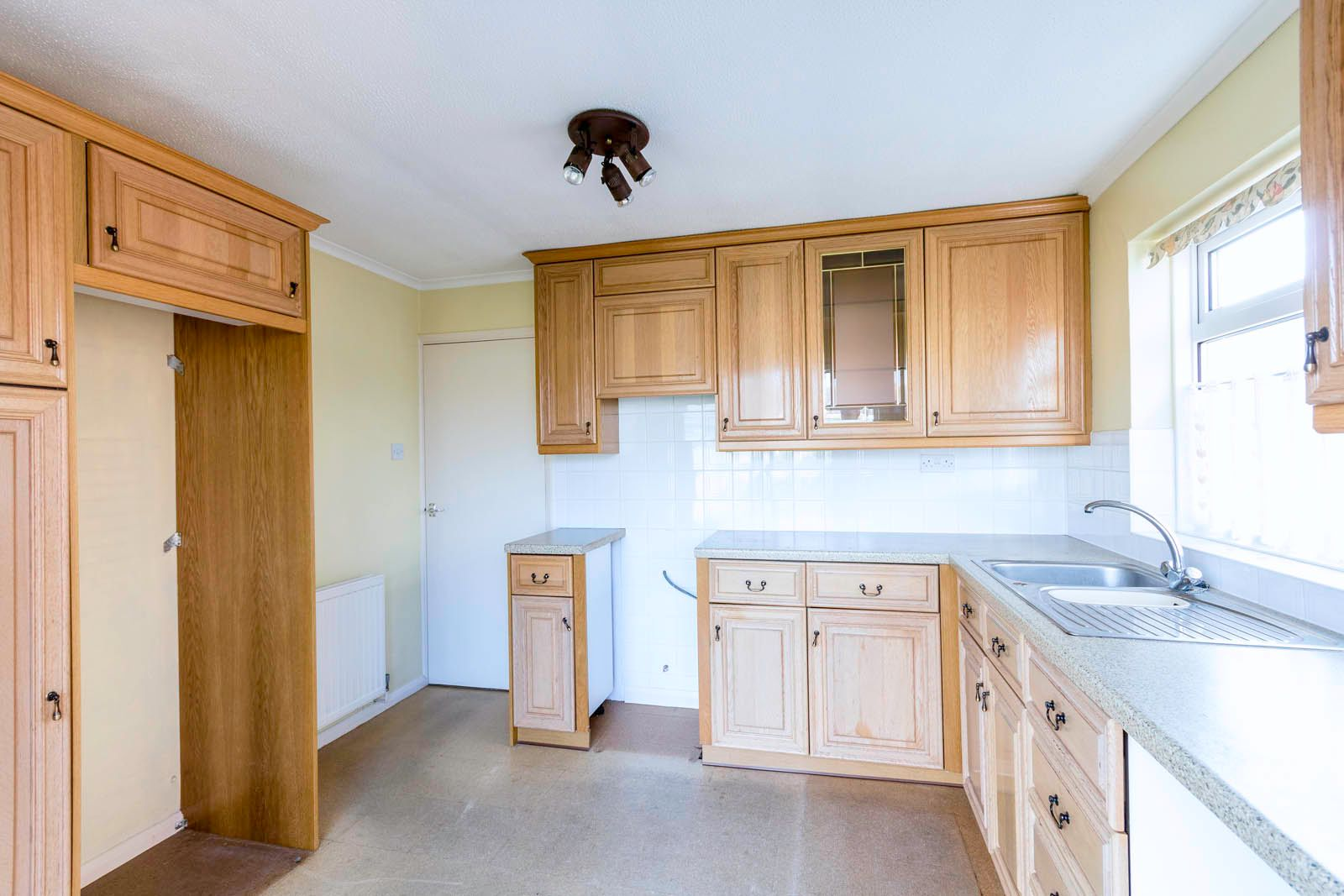 2 bed bungalow for sale in Saxon Close COMP June 2018  - Property Image 10