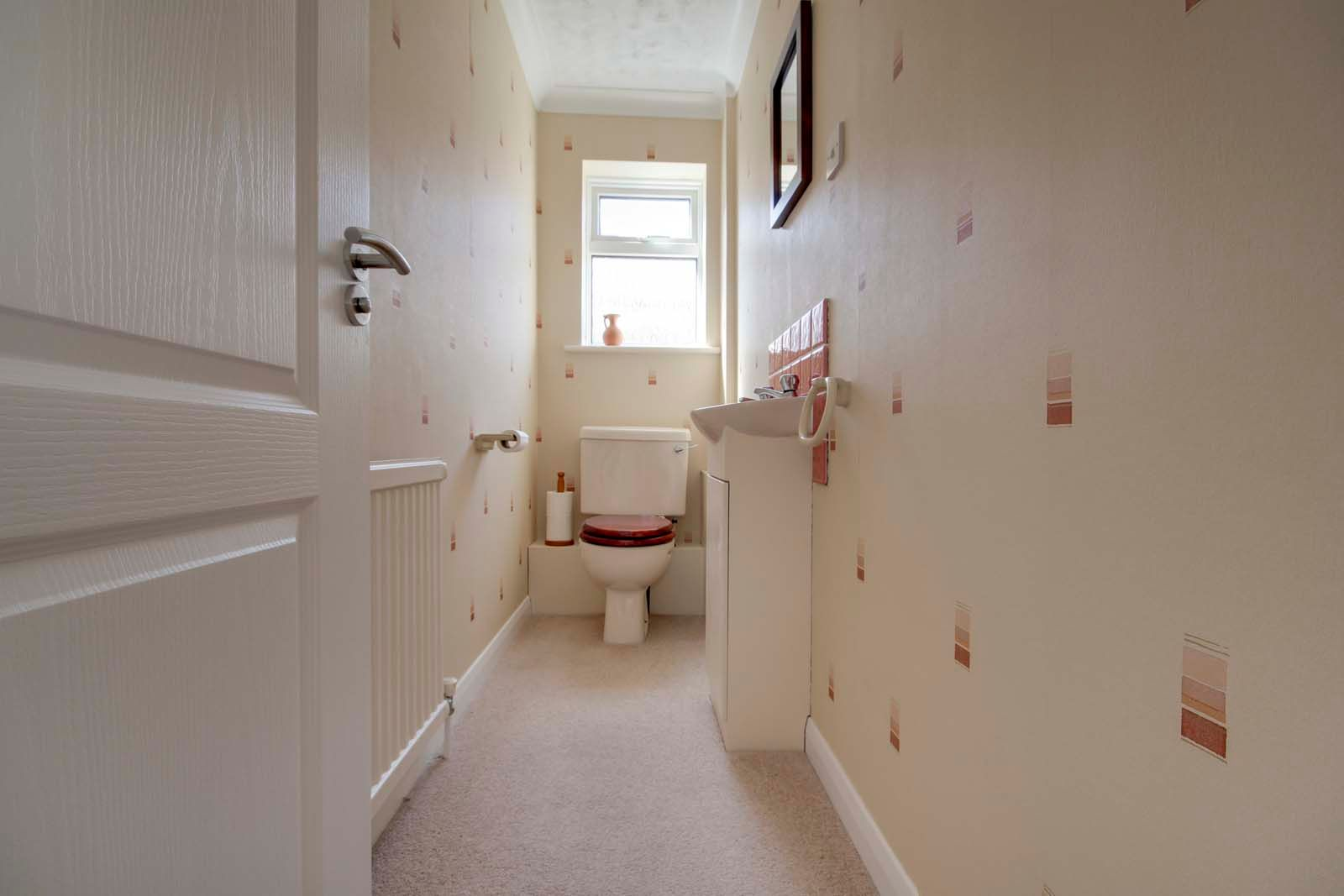 4 bed house for sale in Meadow Park COMP July 2019  - Property Image 12