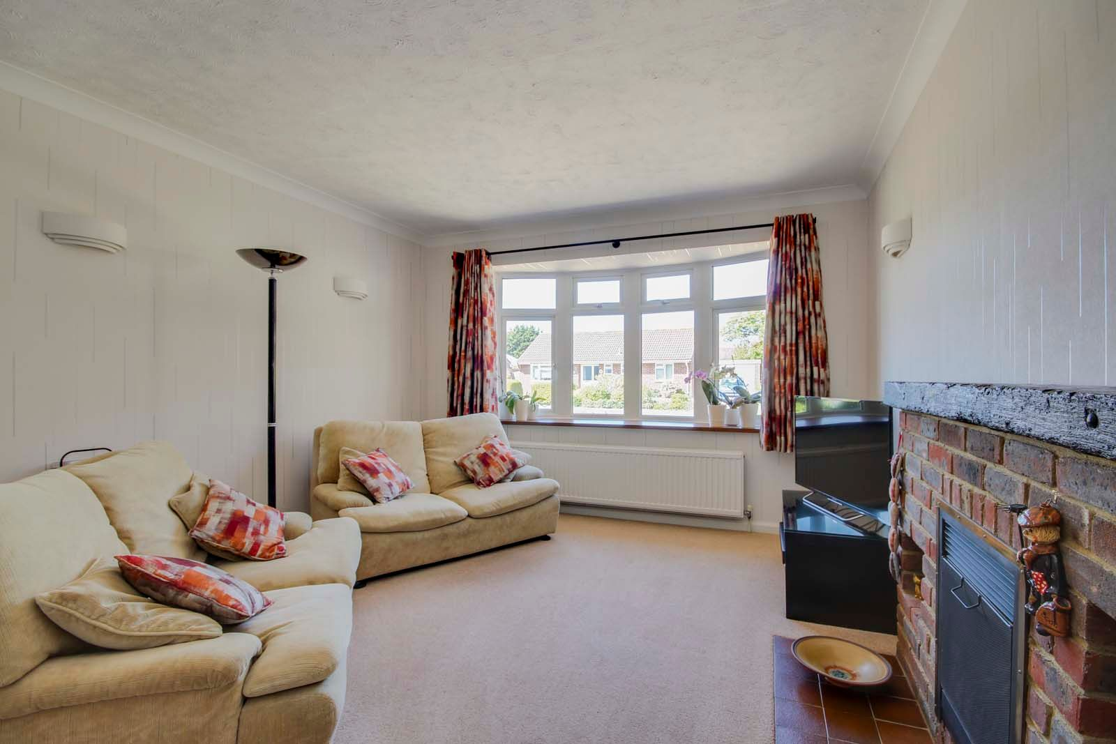 4 bed house for sale in Meadow Park COMP July 2019 3