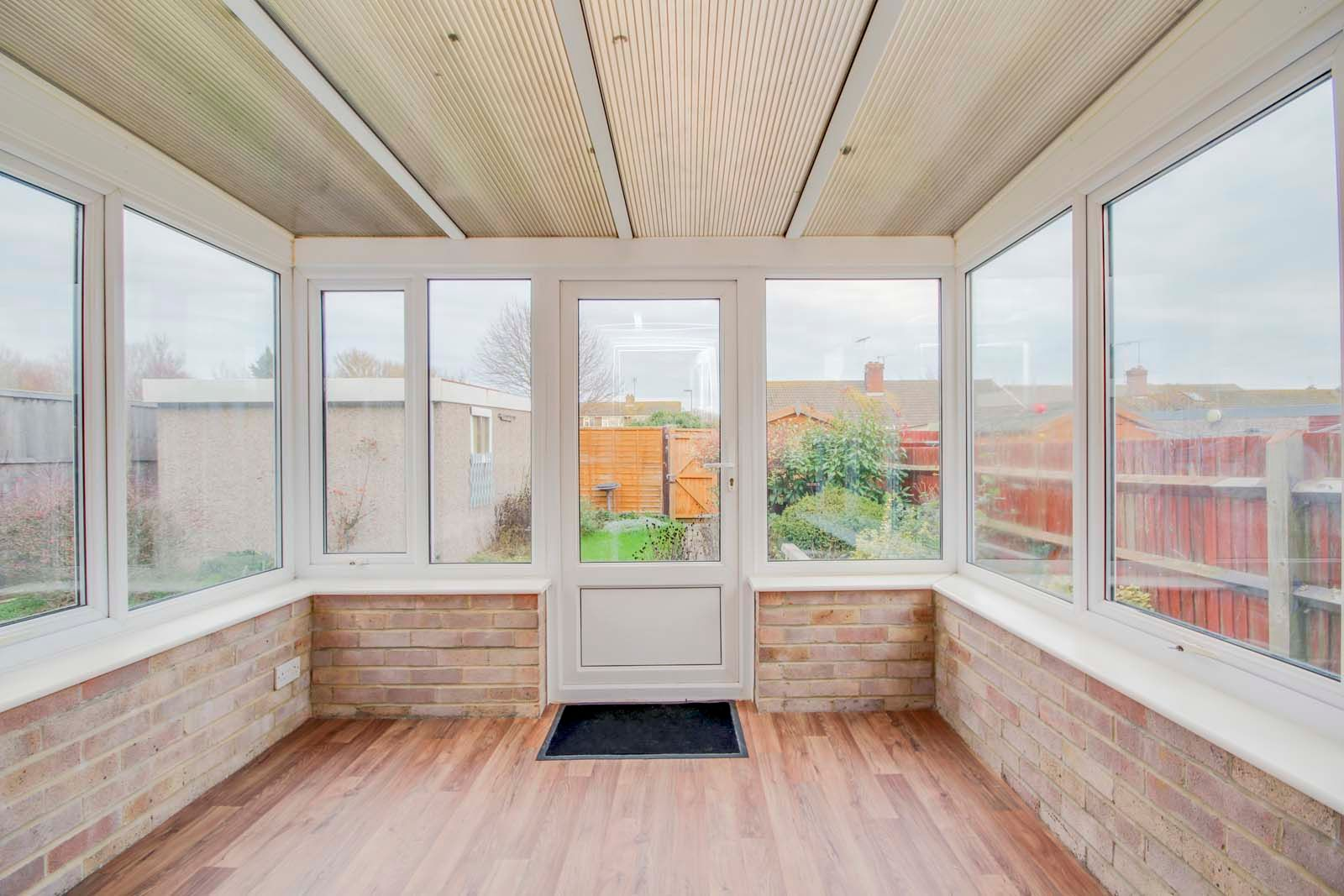 2 bed bungalow for sale in Ashurst Way COMP July 2019  - Property Image 5