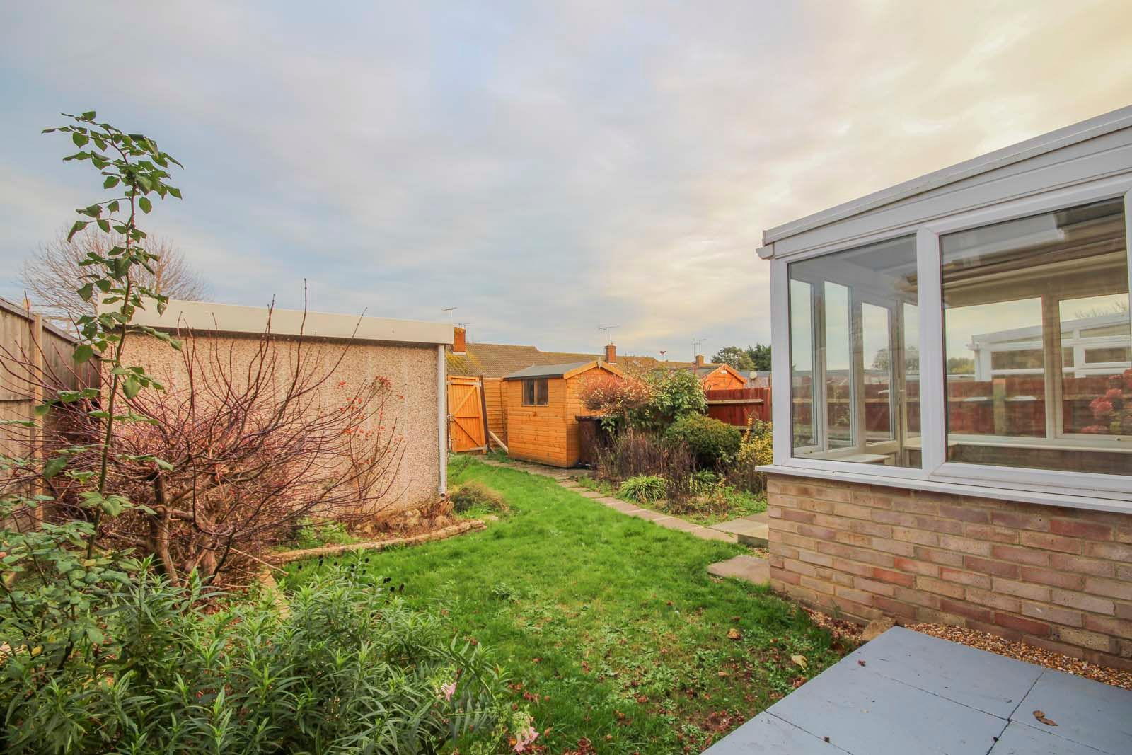 2 bed bungalow for sale in Ashurst Way COMP July 2019 6