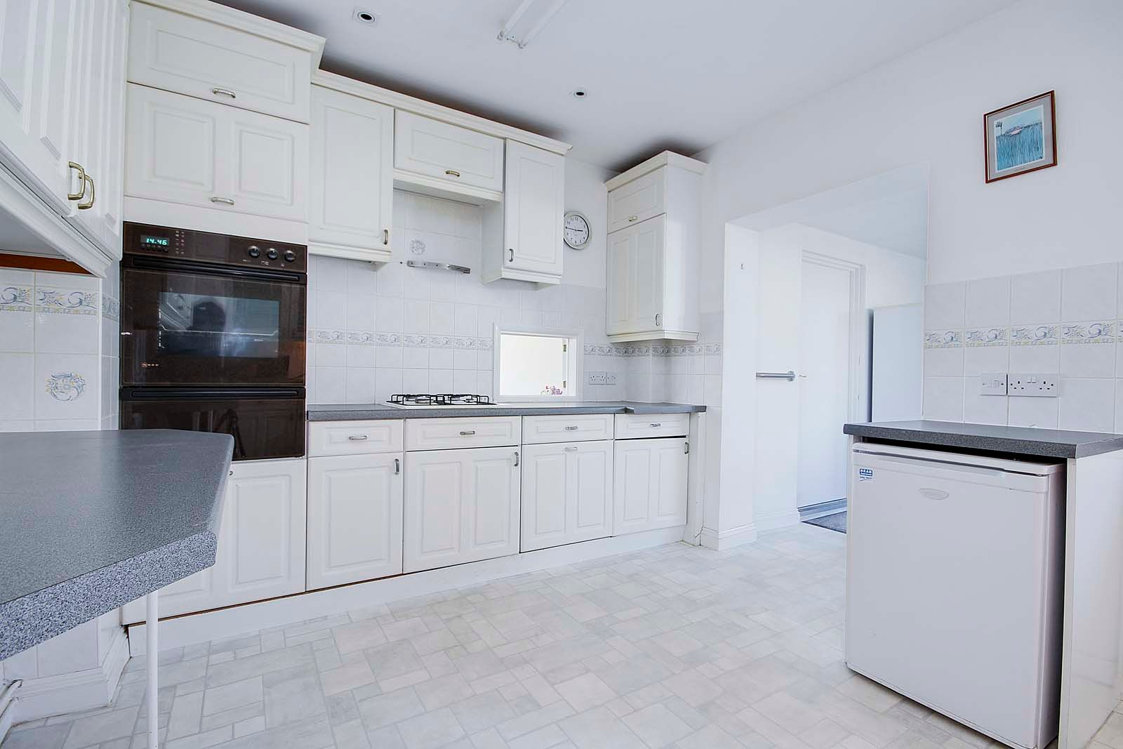 3 bed bungalow for sale in Sea Lane COMP MAY 19  - Property Image 6