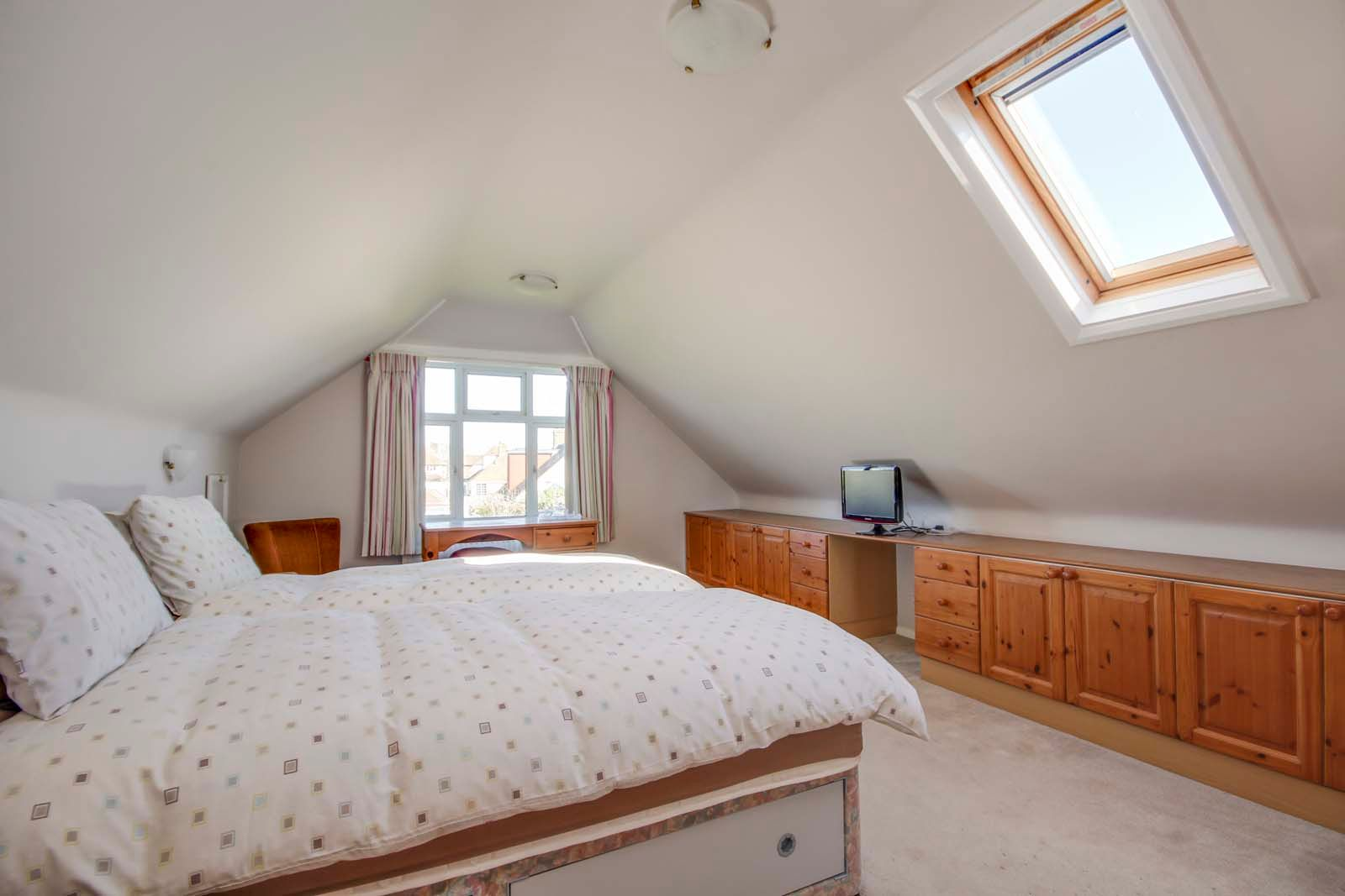 3 bed bungalow for sale in Sea Lane COMP MAY 19  - Property Image 7