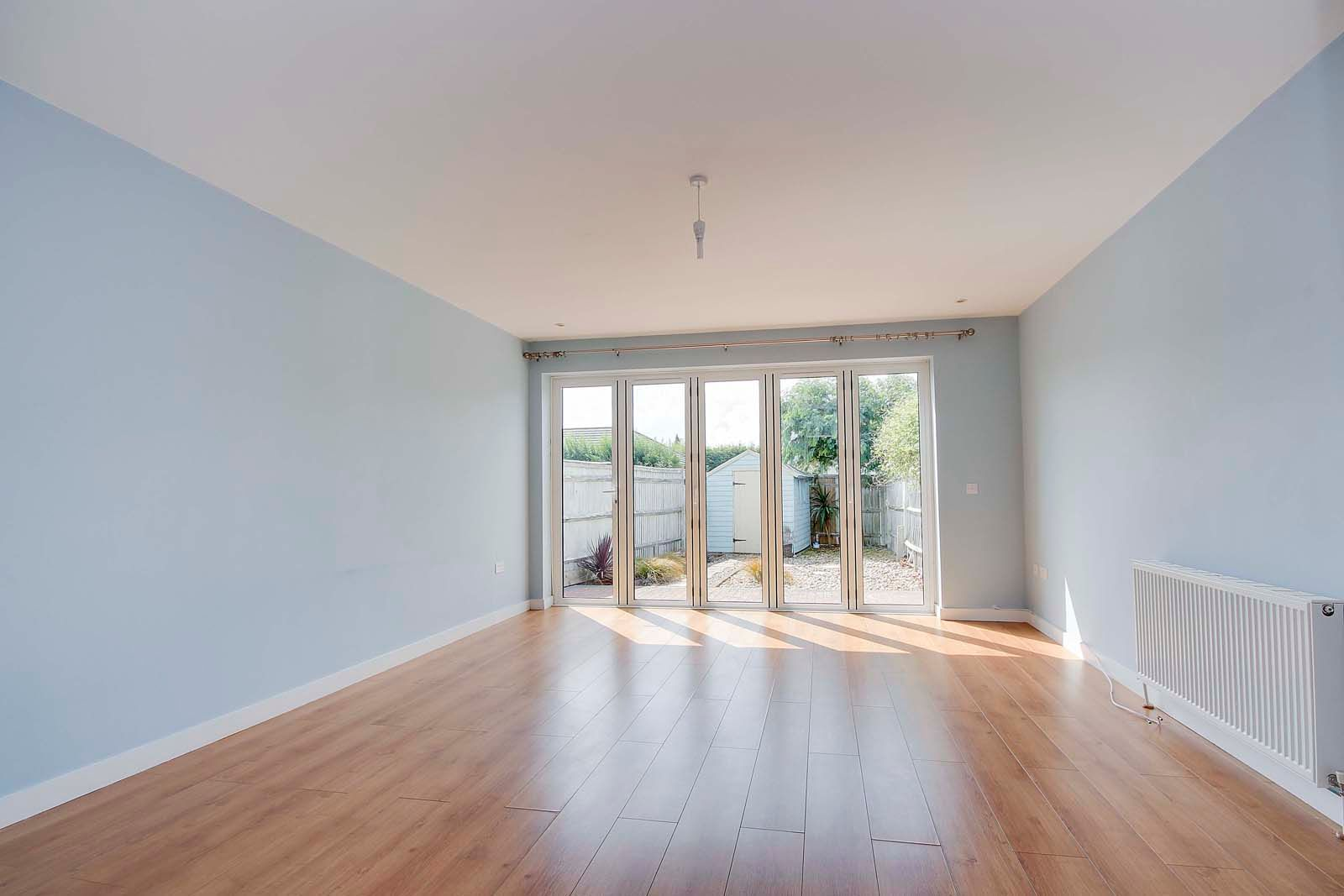 3 bed house to rent in Beechlands Close  - Property Image 2