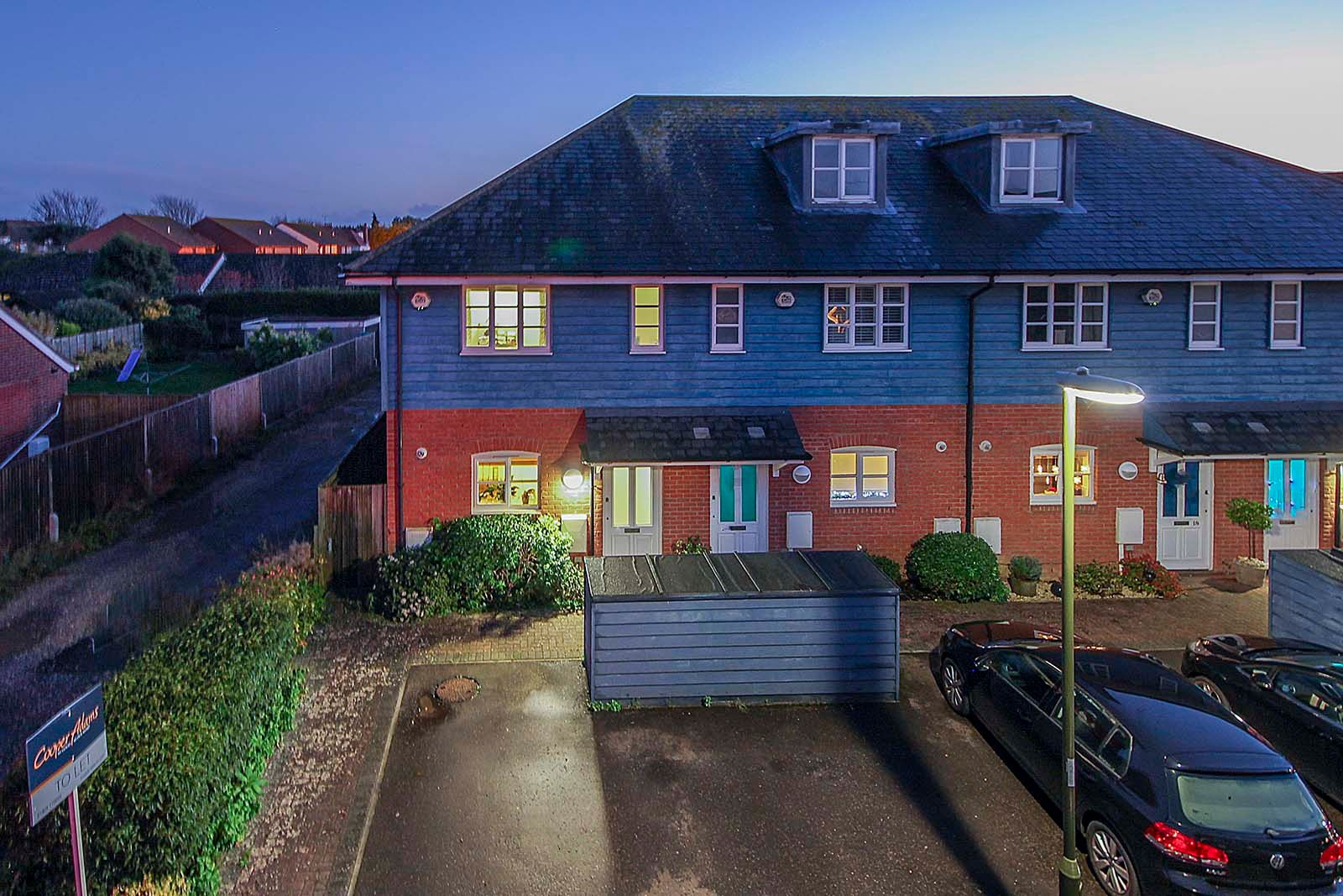 3 bed house to rent in Beechlands Close 11
