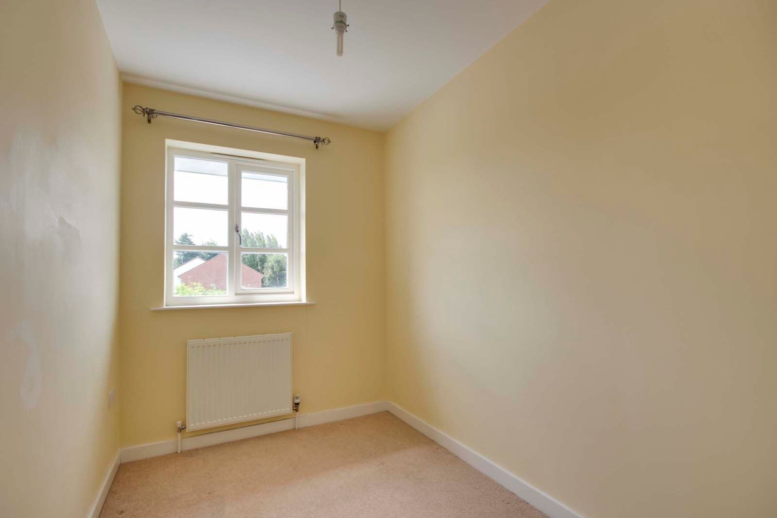 3 bed house to rent in Beechlands Close 9
