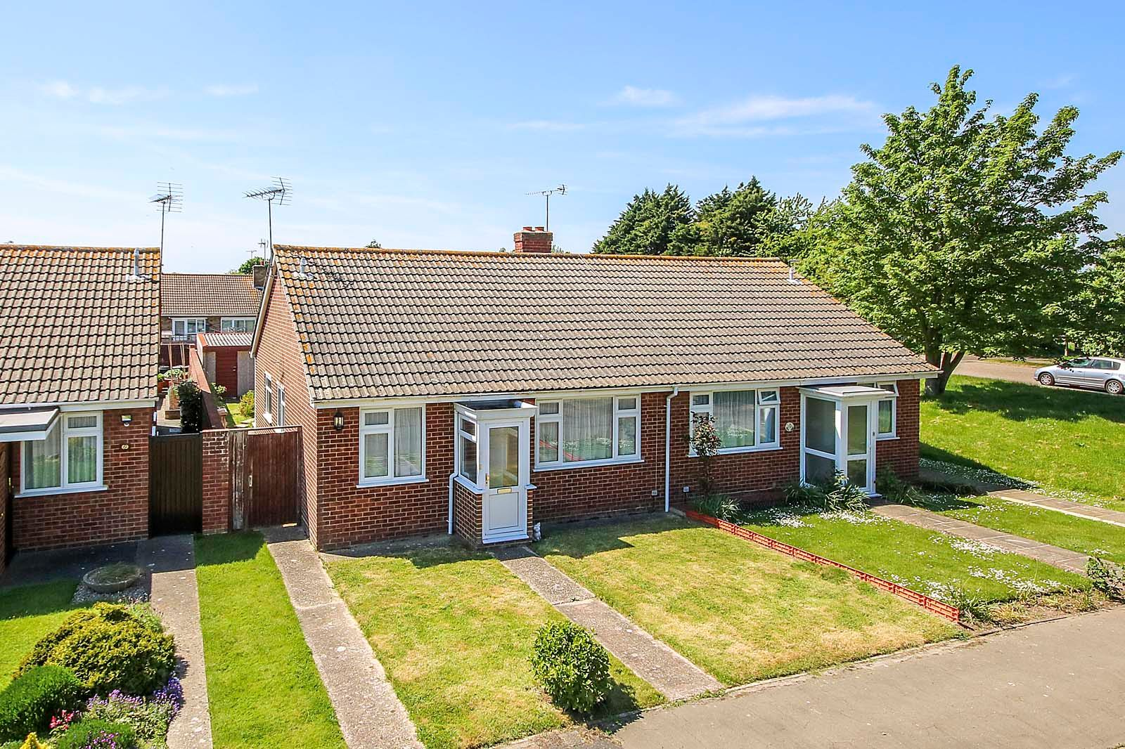 2 bed bungalow for sale in Ashurst Way 1
