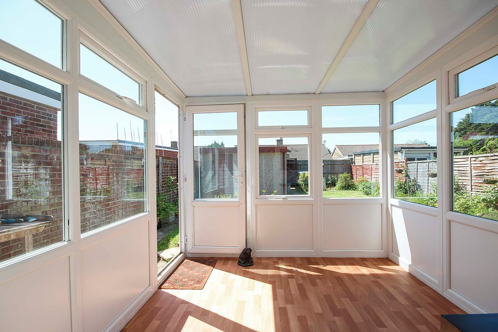 2 bed bungalow for sale in Ashurst Way 4