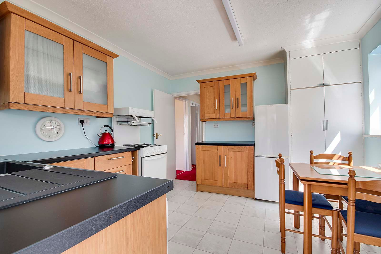 2 bed bungalow for sale in Ashurst Way 6