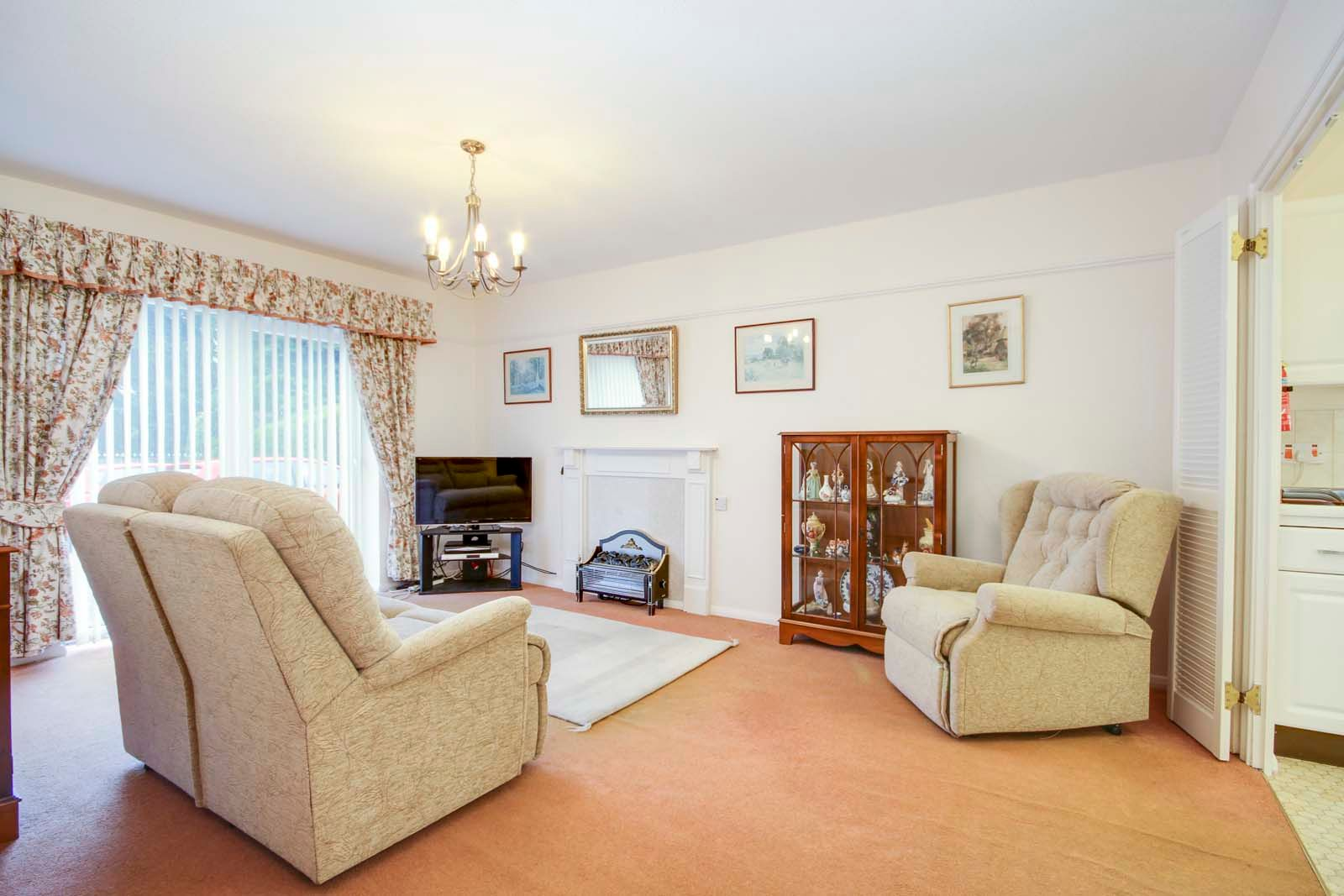 2 bed Apartment for sale in East Preston - Lounge (Property Image 1)