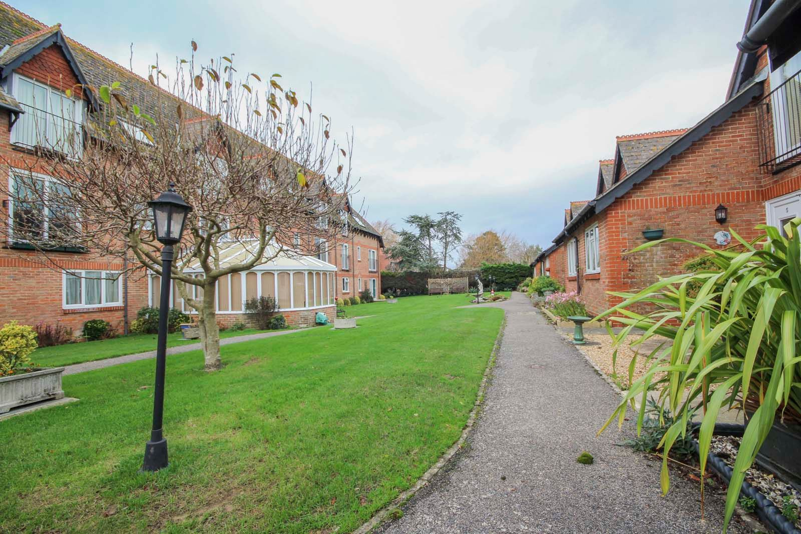 2 bed Apartment for sale in East Preston - Communal garden (Property Image 2)