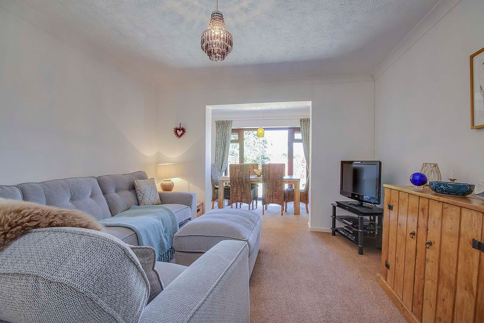 2 bed bungalow for sale in Russells Close 2