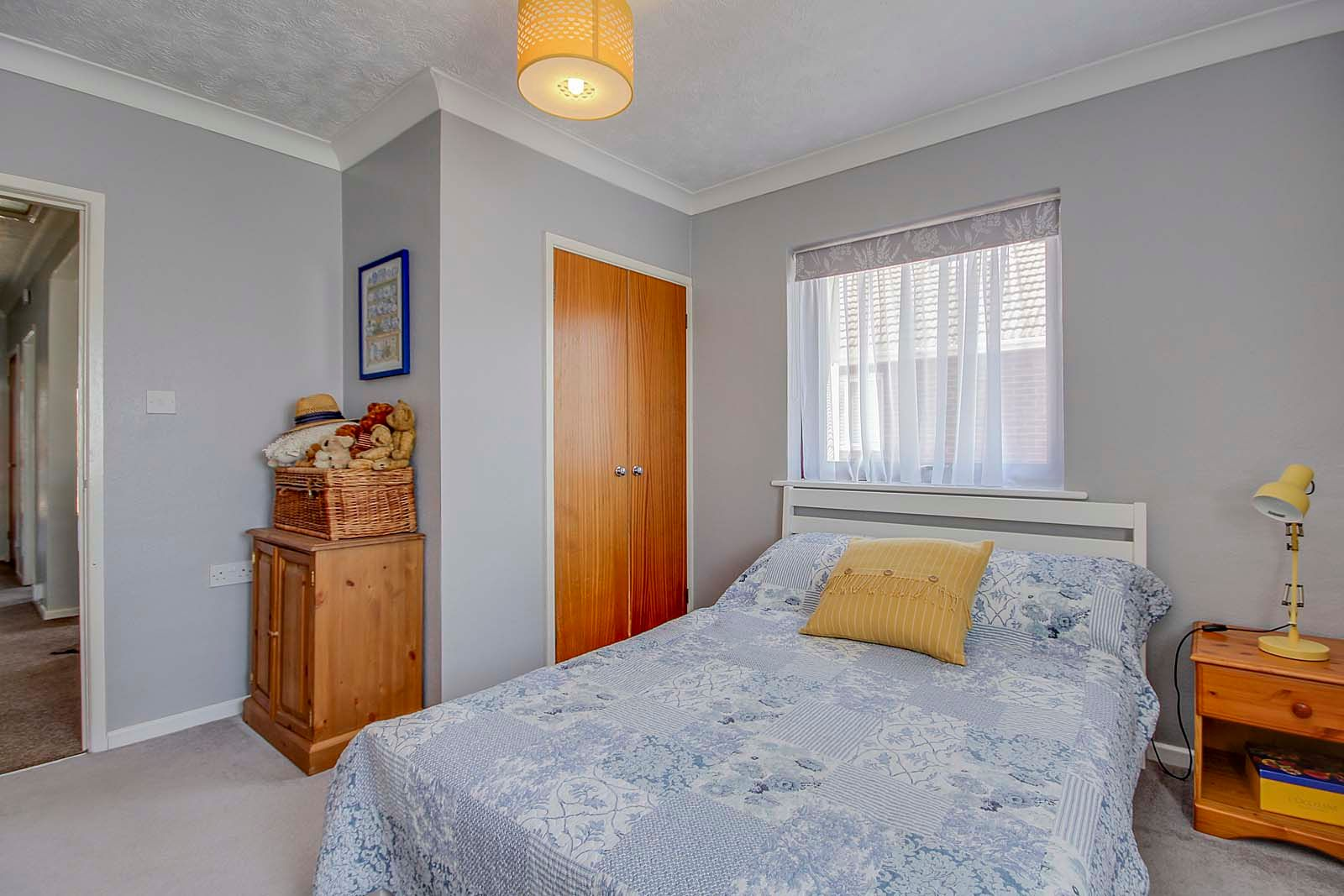 2 bed bungalow for sale in Russells Close 12