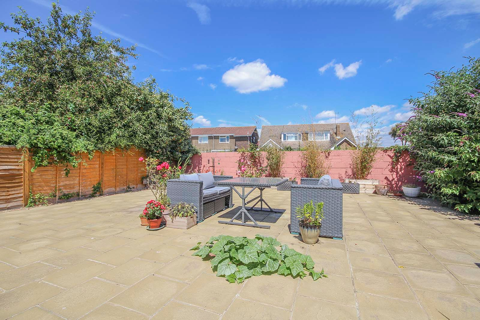 2 bed bungalow for sale in Russells Close 14