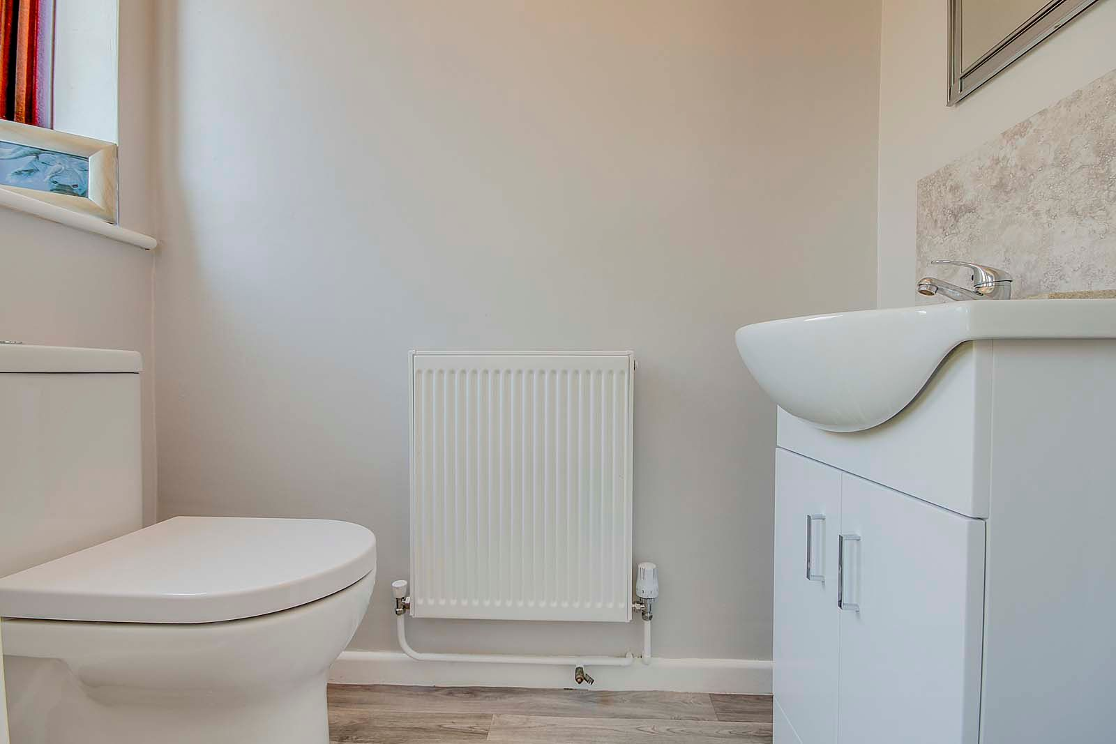 2 bed bungalow for sale in Russells Close 15