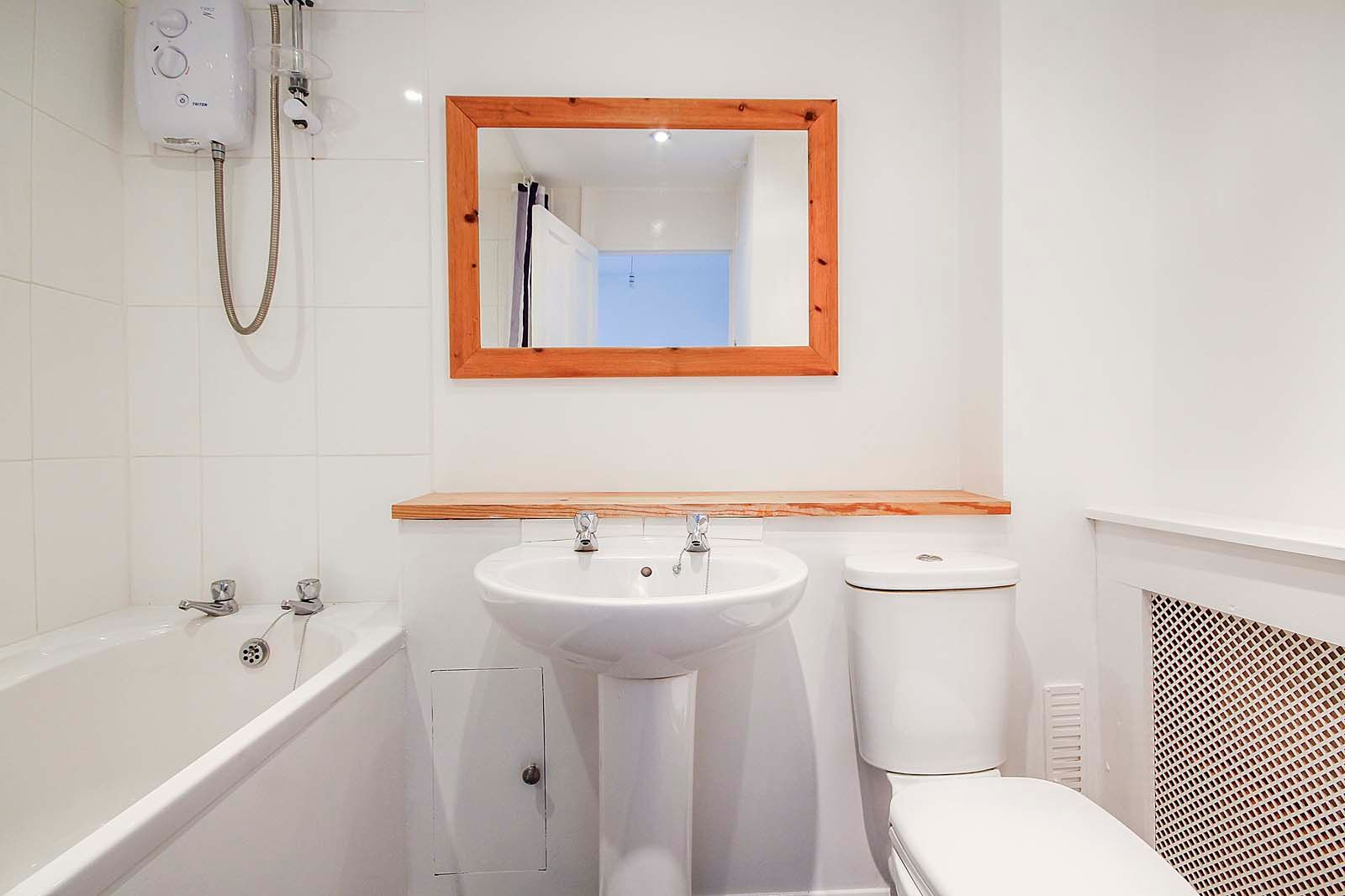 2 bed house for sale in Church Way COMP Jan 2019 9