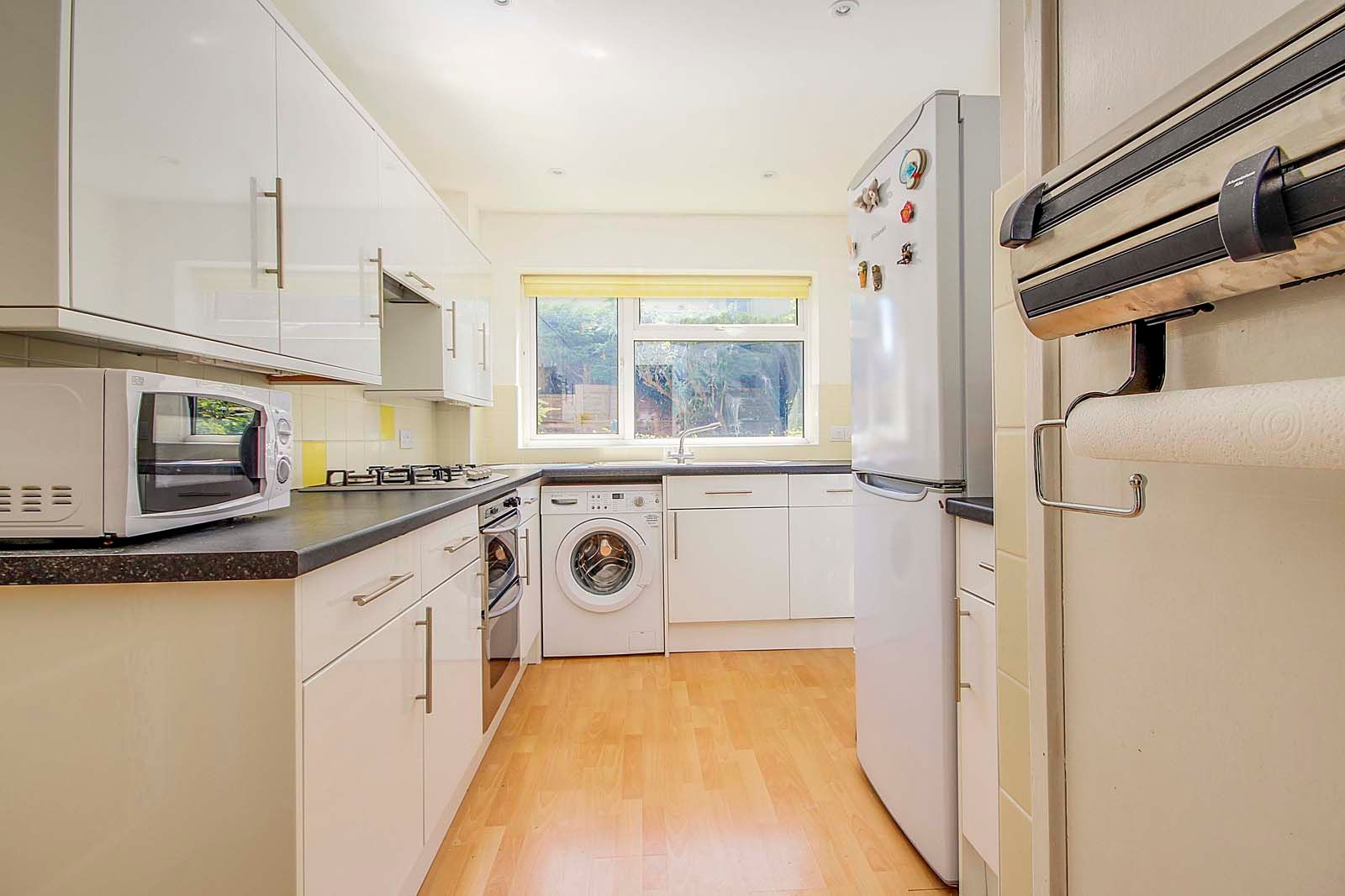 3 bed house for sale in Copse View 4
