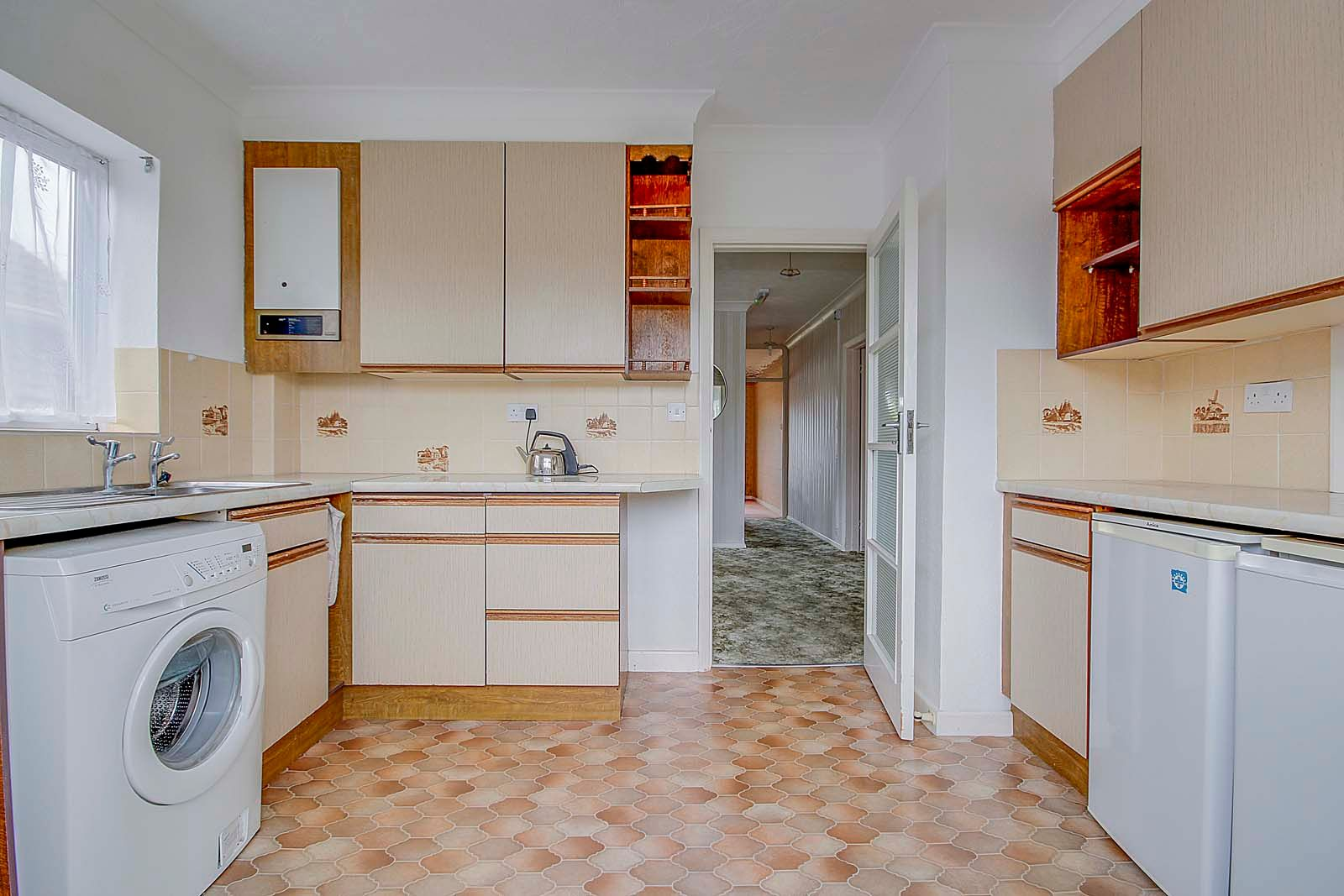 3 bed bungalow for sale in Melrose Close 4