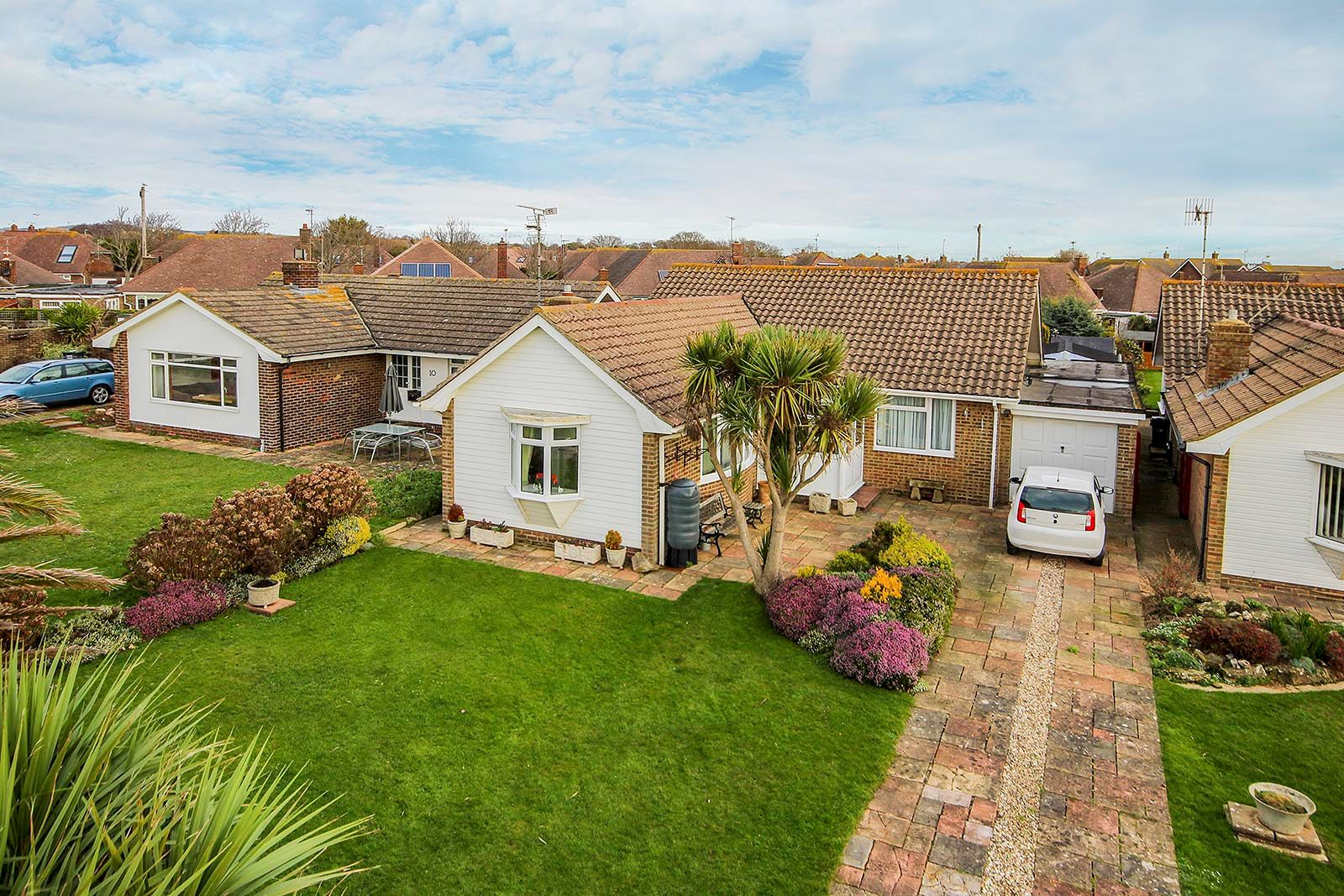 2 bed bungalow for sale in Banstead Close - Property Image 1