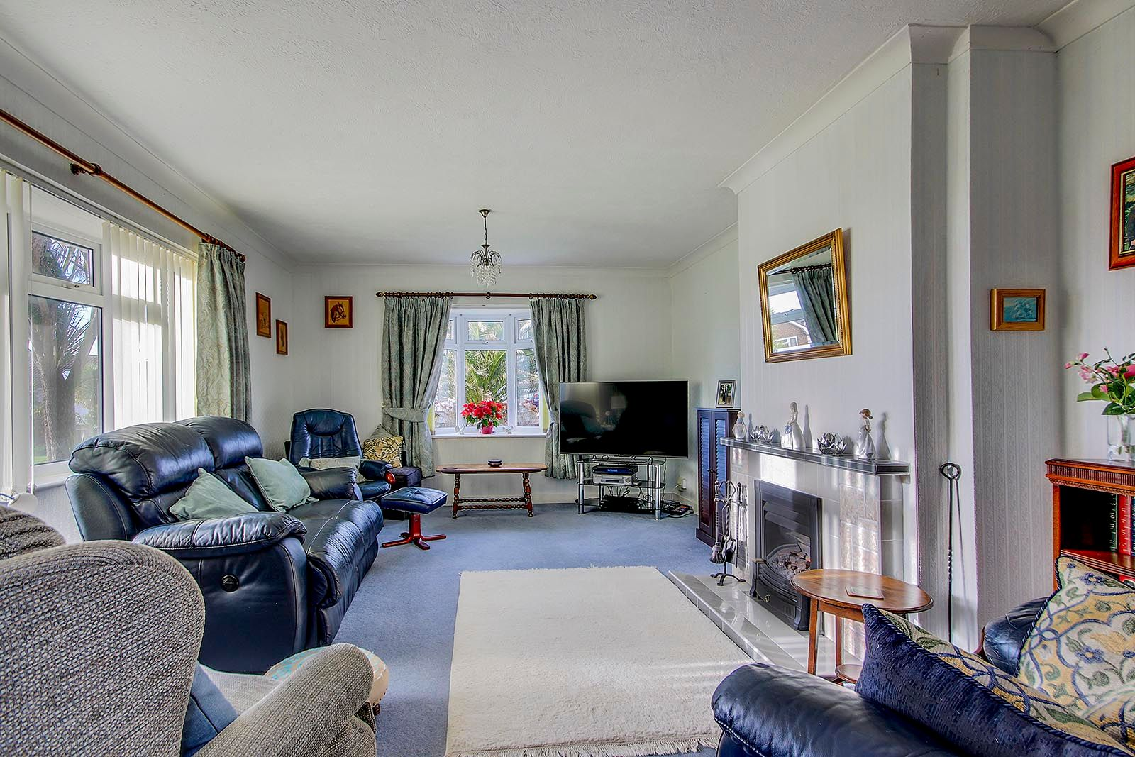 2 bed bungalow for sale in Banstead Close  - Property Image 3