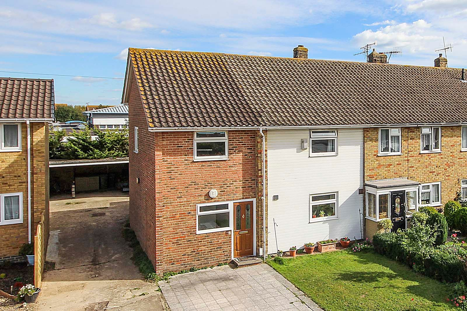 4 bed house for sale in Bellview Road 1