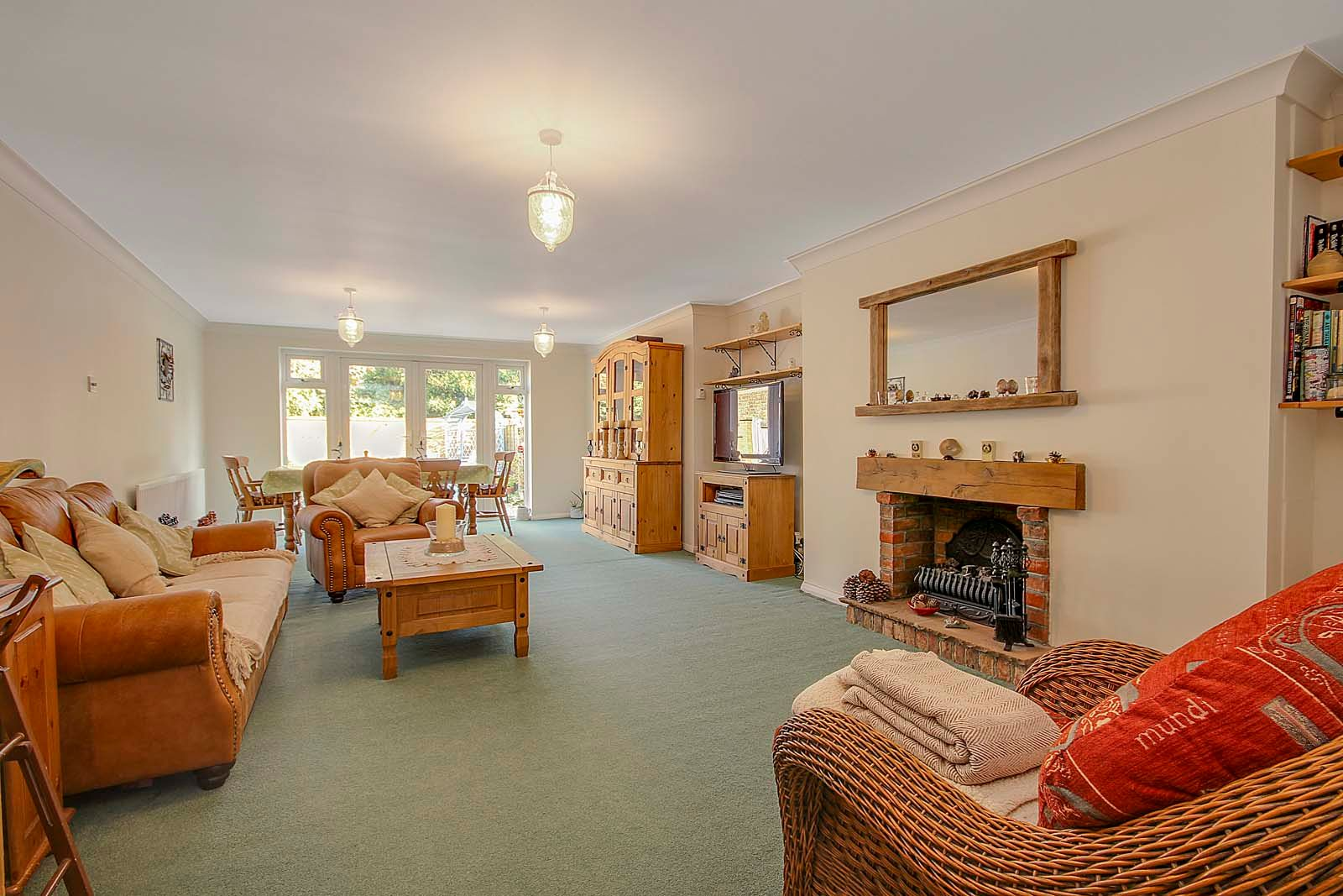4 bed house for sale in Bellview Road  - Property Image 2