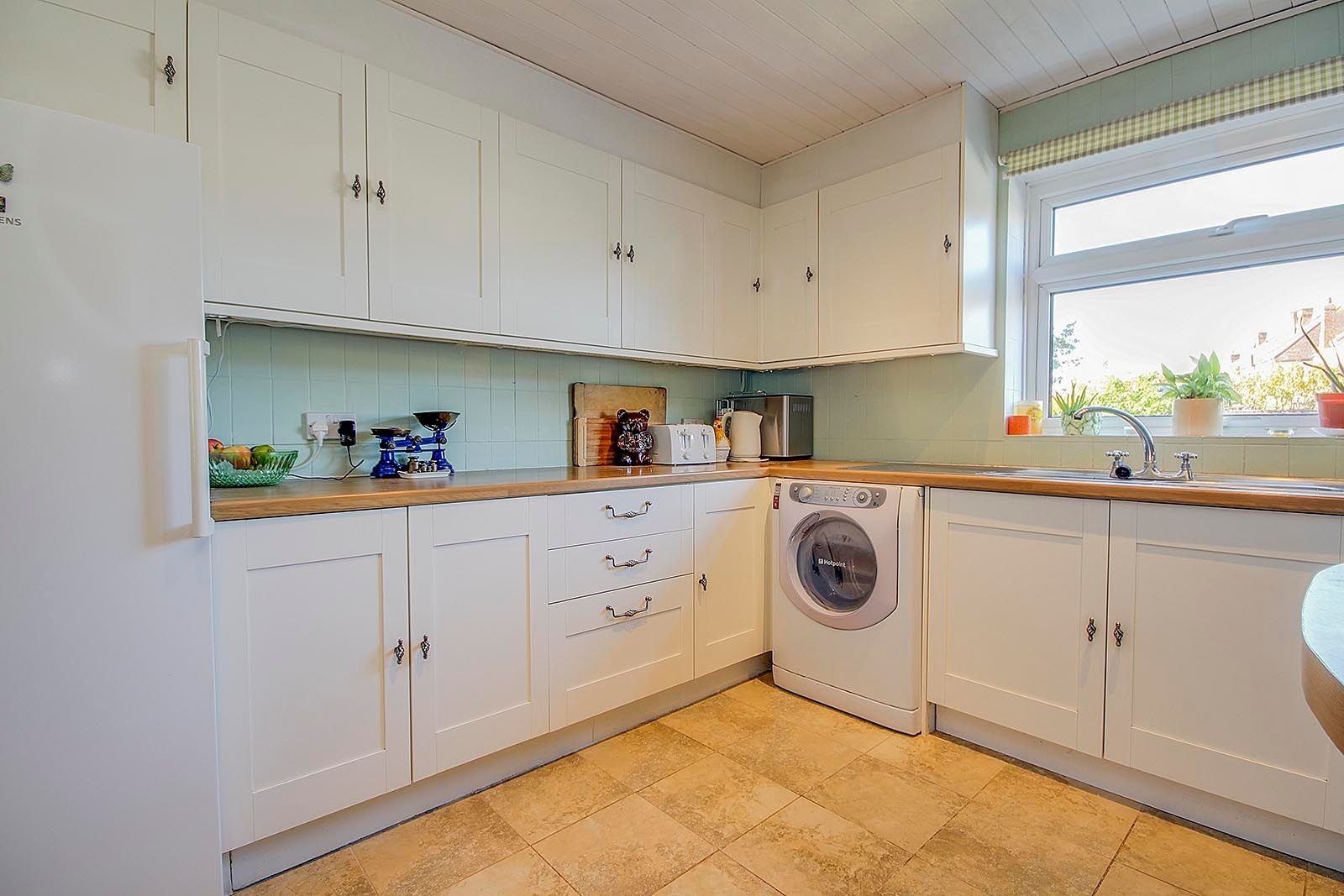 4 bed house for sale in Bellview Road 11