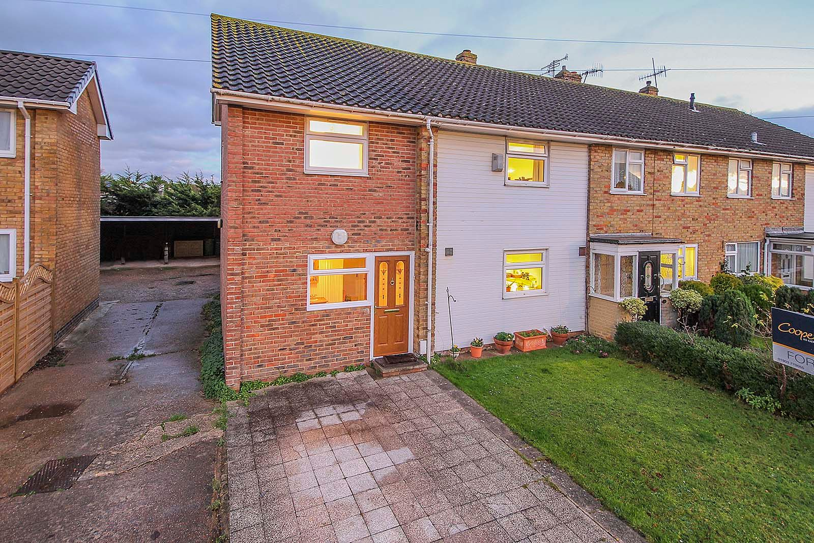 4 bed house for sale in Bellview Road  - Property Image 13