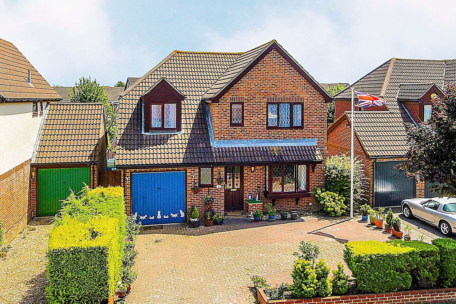 4 bed house for sale in Longships  - Property Image 1