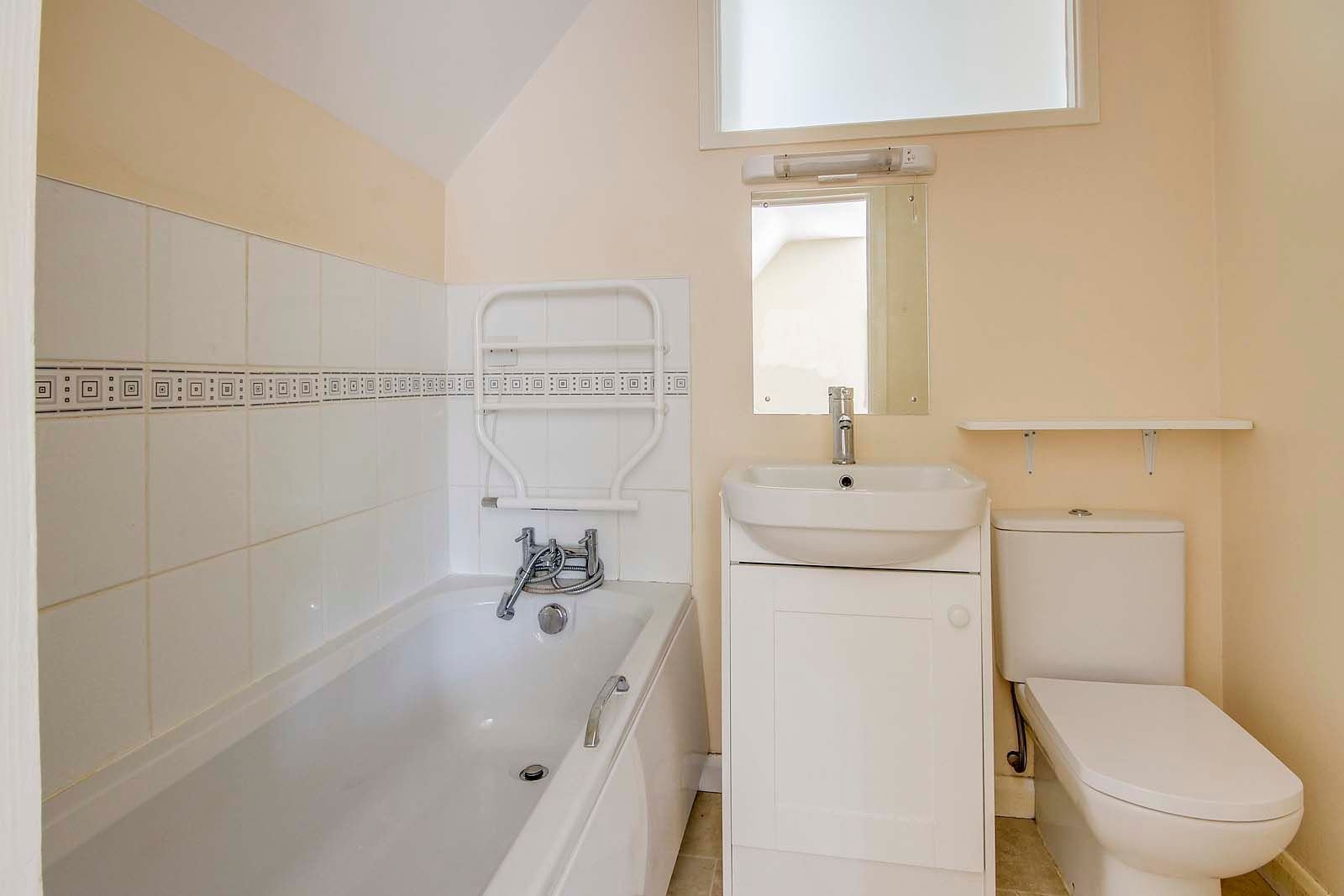 4 bed house for sale in Bushby Avenue 12