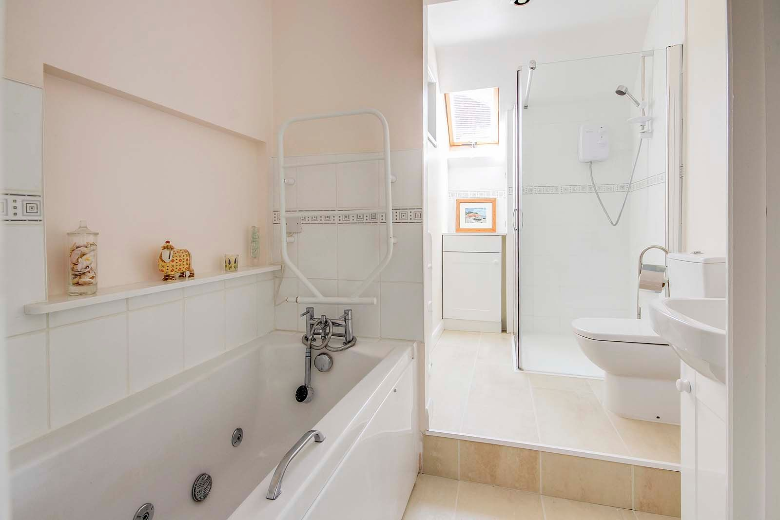 4 bed house for sale in Bushby Avenue 13