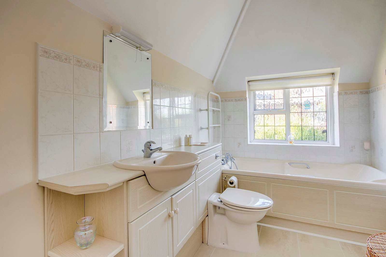 4 bed house for sale in Bushby Avenue 14