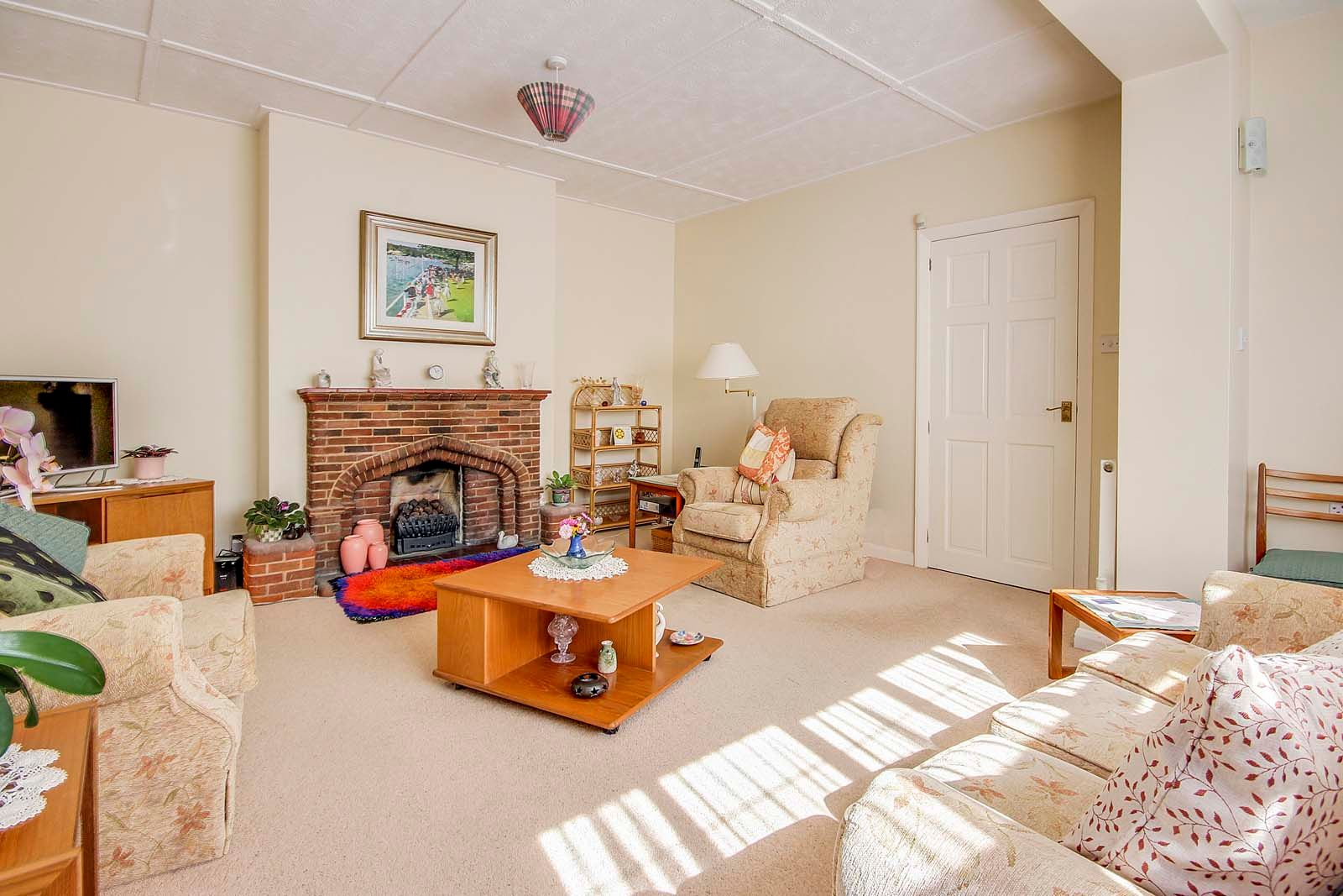 4 bed house for sale in Bushby Avenue 4