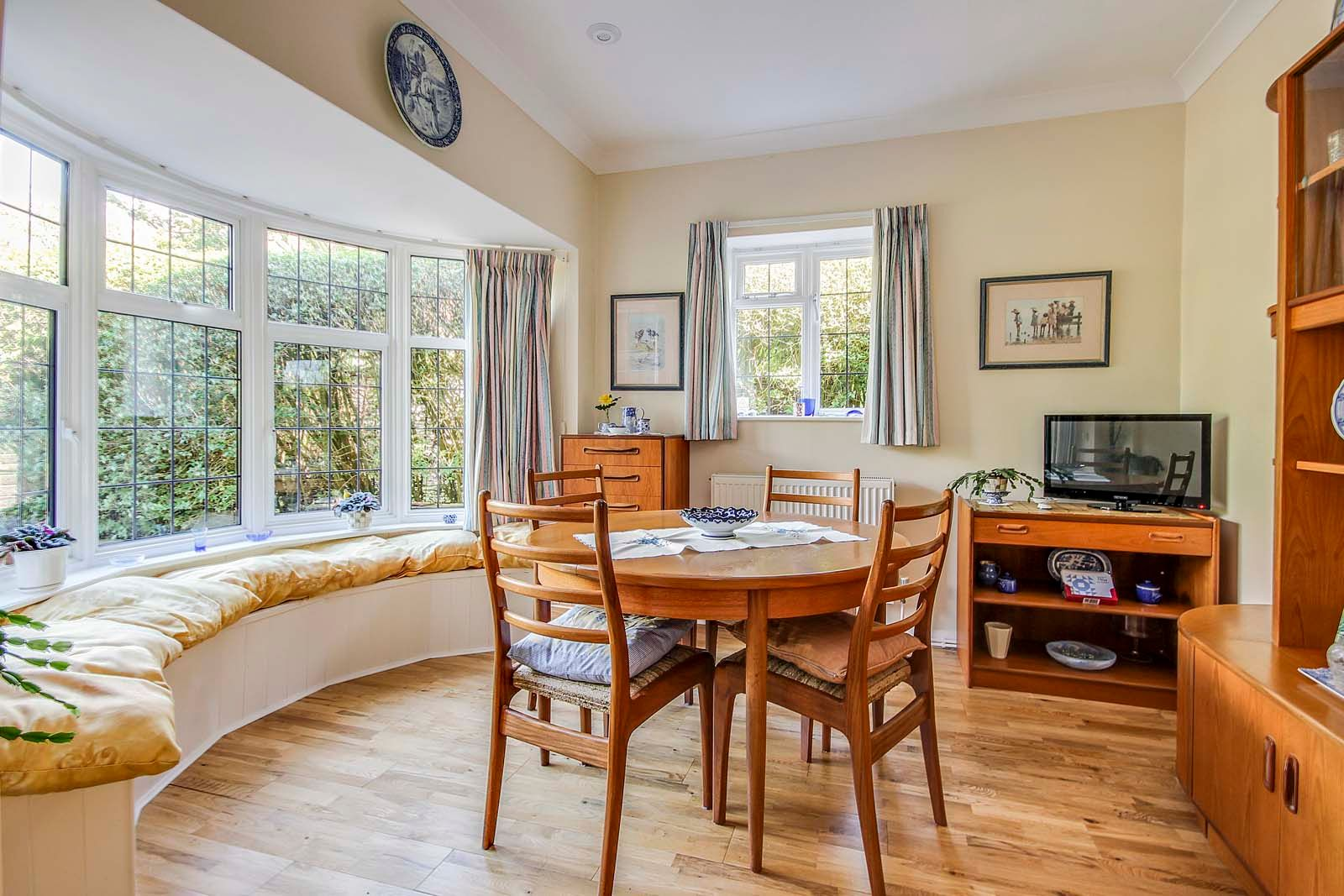 4 bed house for sale in Bushby Avenue 5