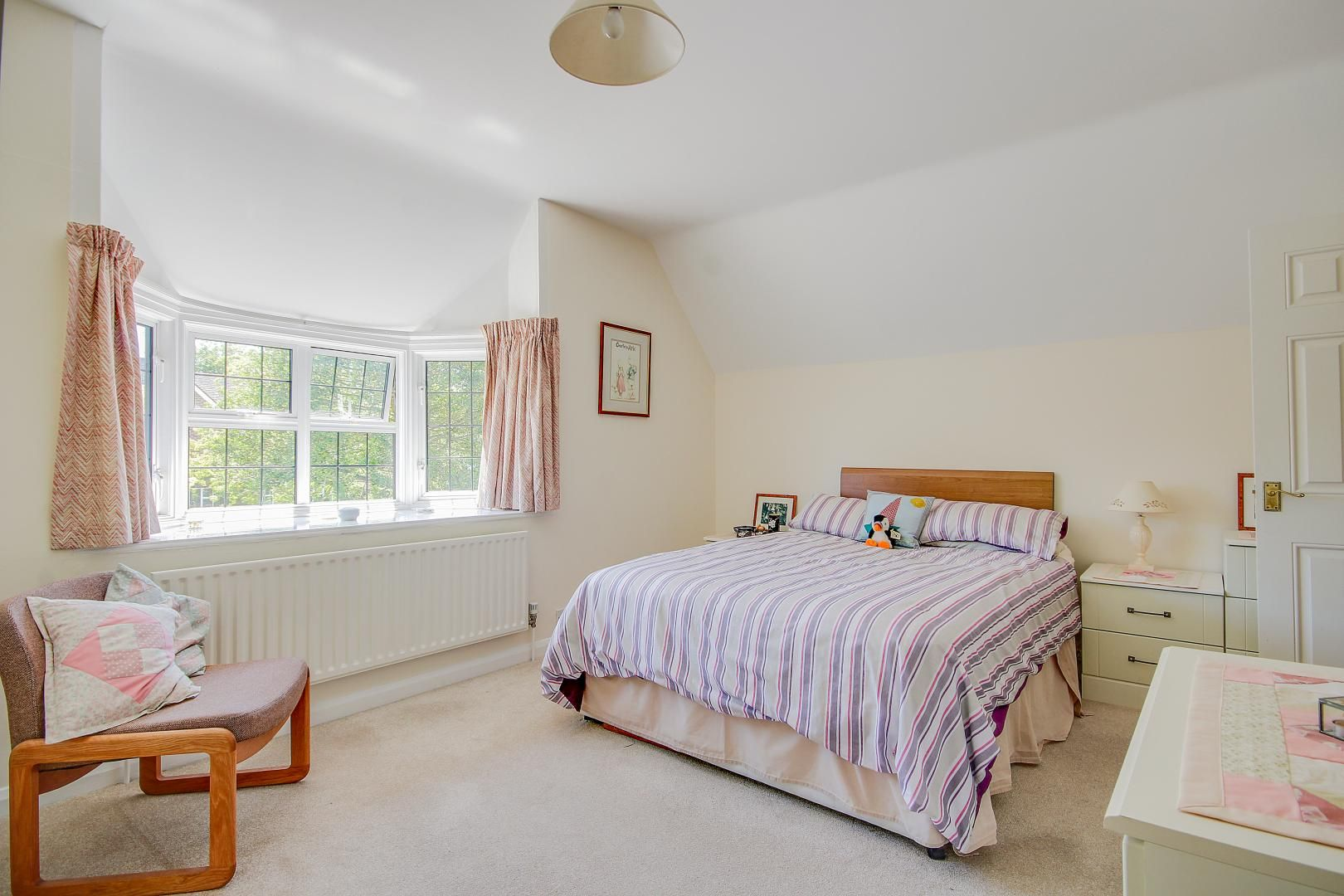 4 bed house for sale in Bushby Avenue  - Property Image 6